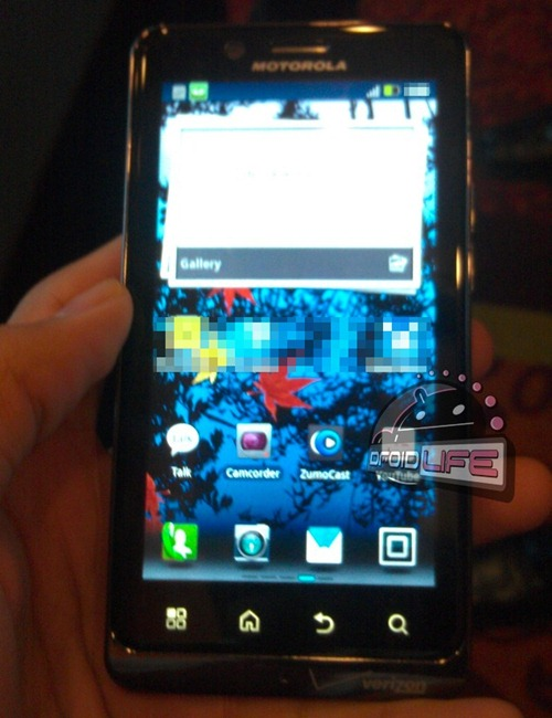 droid-bionic-in-hand-dl1
