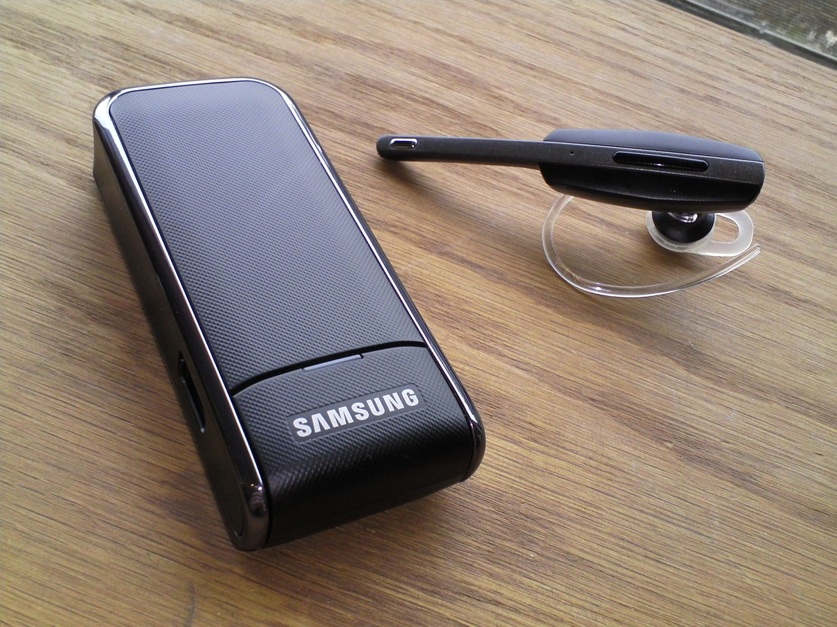 Review Samsung Hm7000 Bluetooth Headset You Ll Still Look Like A You Know But It Works Great