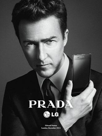 Daria-Werbowy-Edward-Norton-Prada-LG-Phone-04a