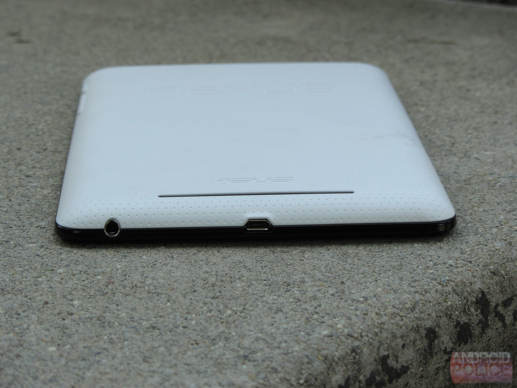The Nexus 7 Has One More Trick Up Its Sleeve: A Magnetic ...