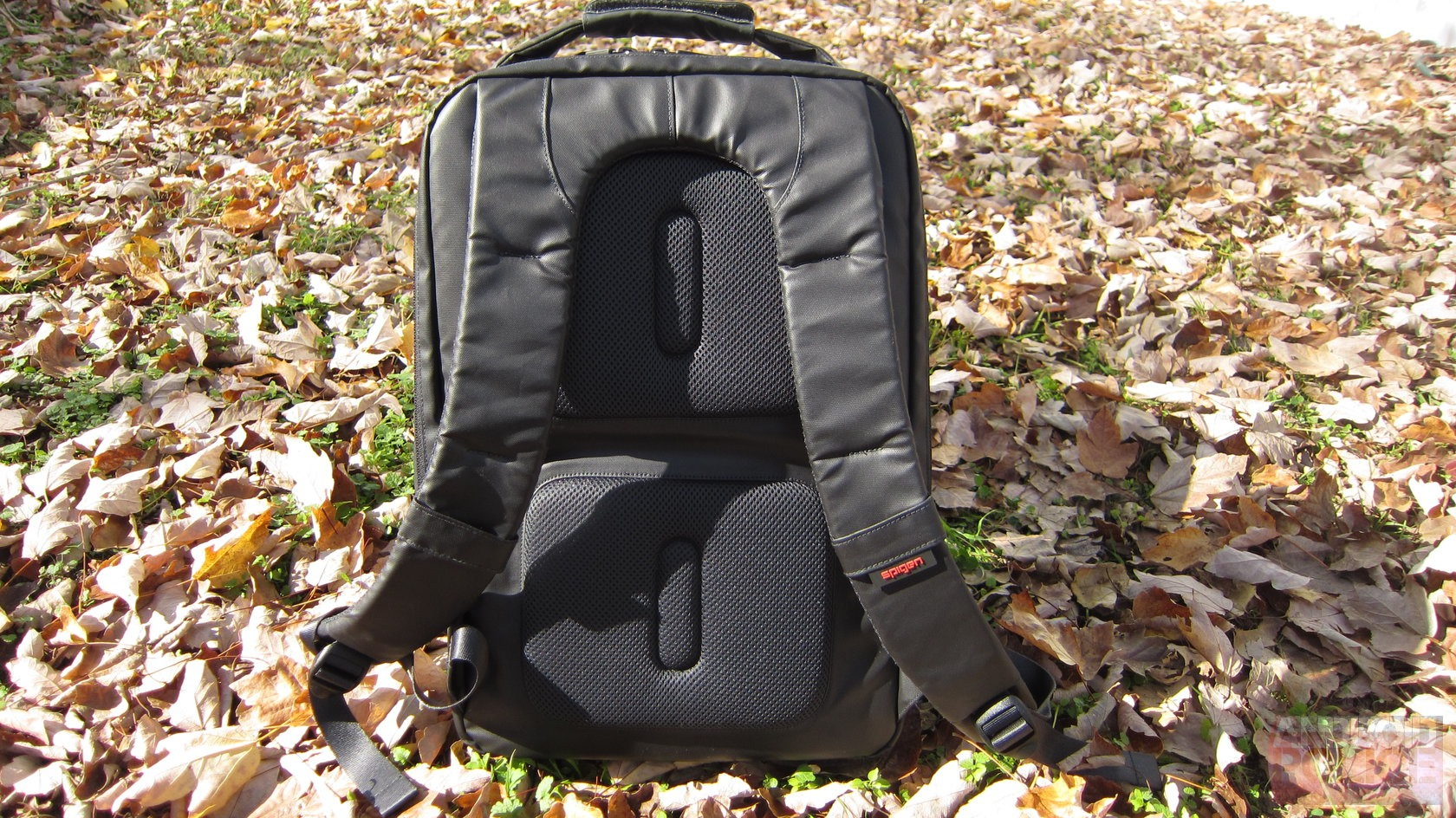 SPIGEN Coated Backpack Review  It s Like A Black Hole For Your Back 6bcb51f4348a6