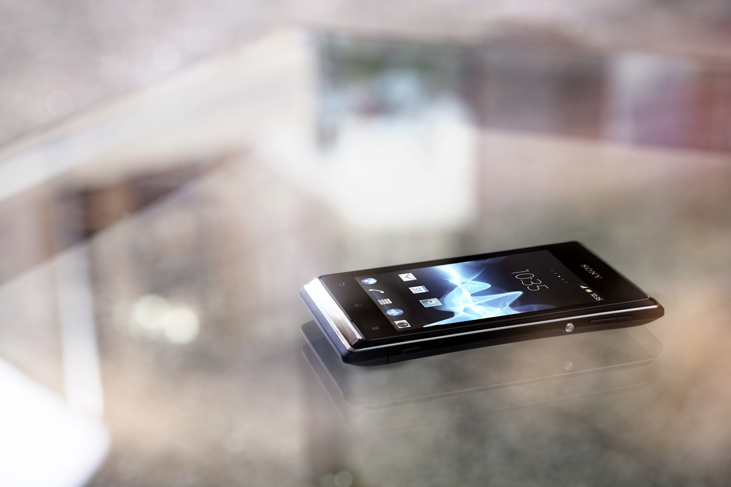 Sony Announces Xperia E And E Dual, Low-End Jelly Bean Handsets ...