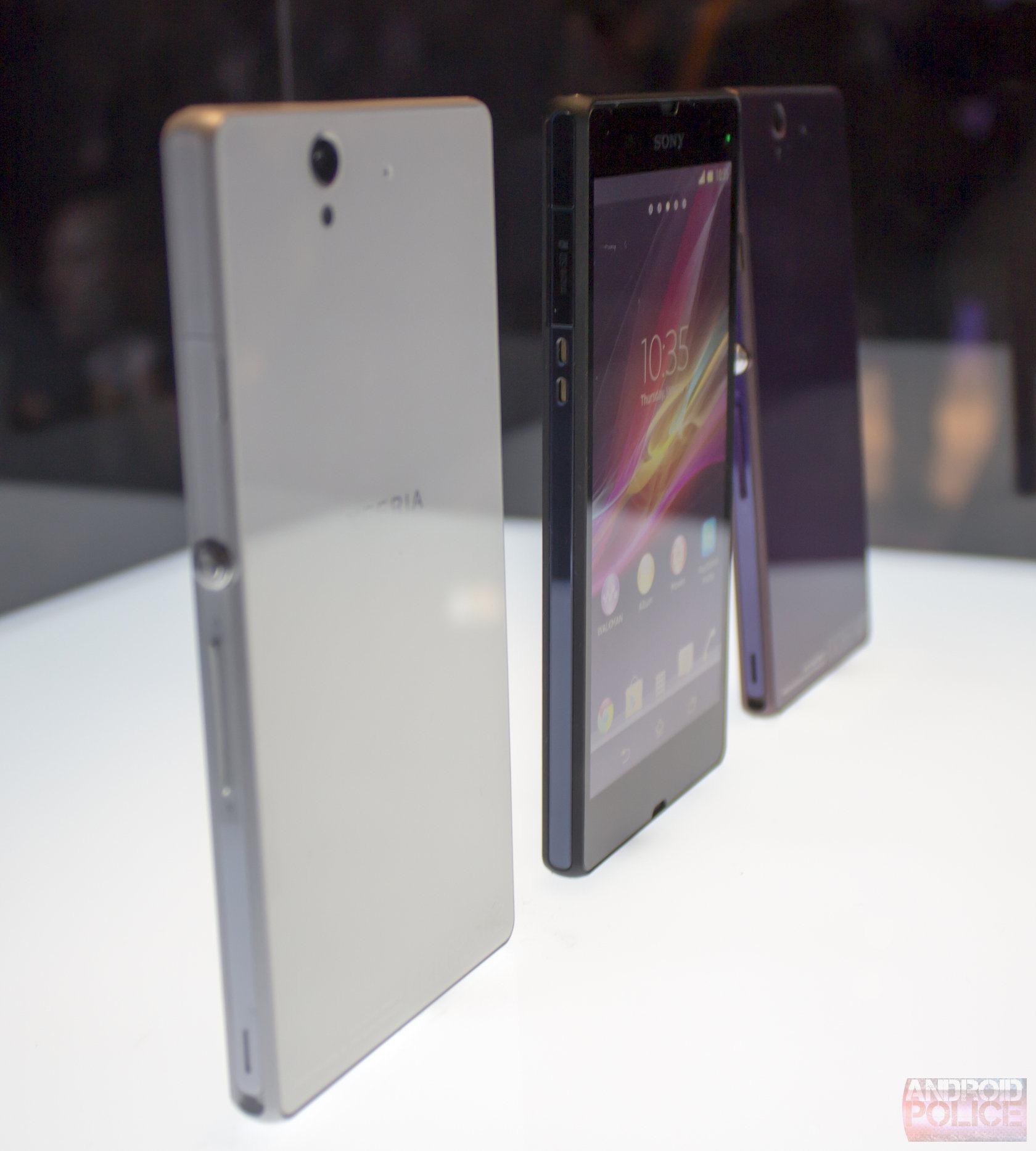 【画像あり】ダサすぎワロタ・・・ Sony、Xperia Zを正式公開 しかもHTC J蝶以下のスペックと判明