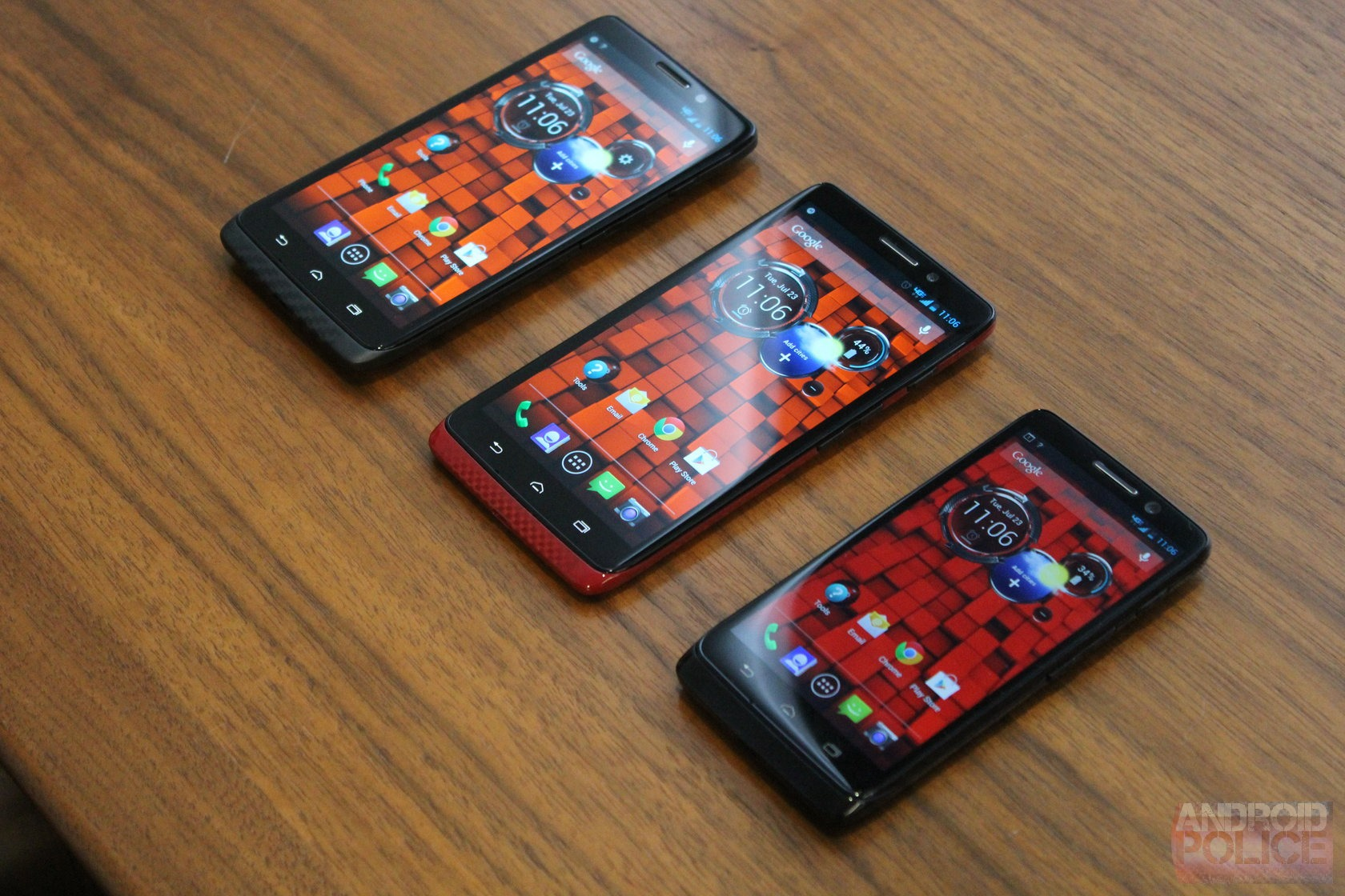 [Hands-On w/ Video] The DROID Ultra, MAXX, And Mini - Three Different Phones That Are All Pretty Much The Same