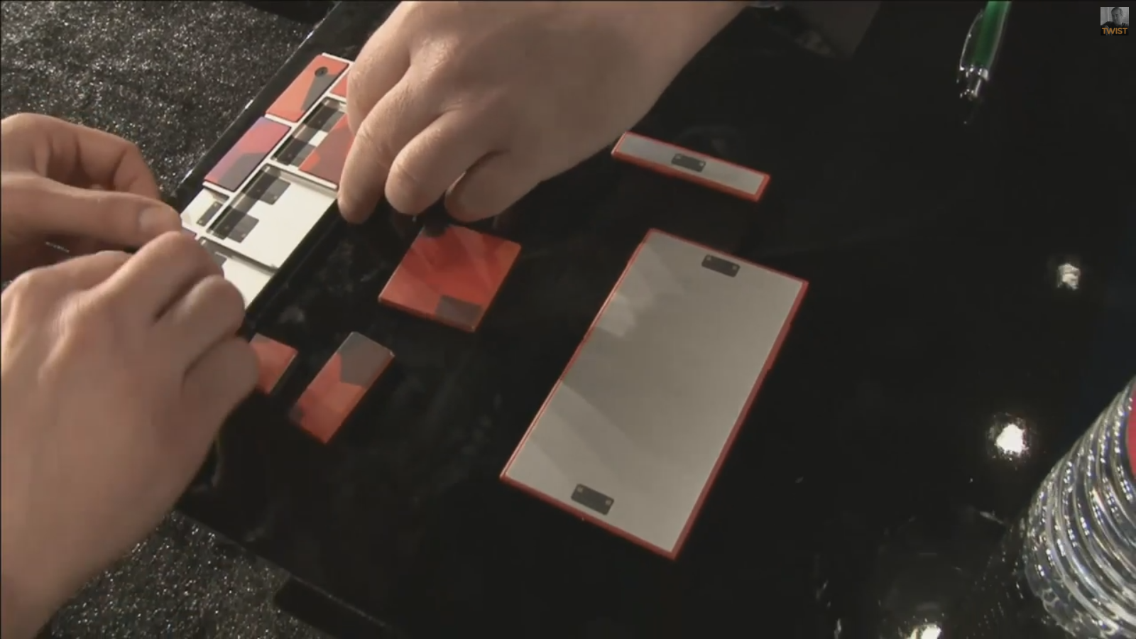 Fascinating: Project Ara Team Member Gives Us The First Glimpse Of How The Product Will Work In Model Demo At LAUNCH