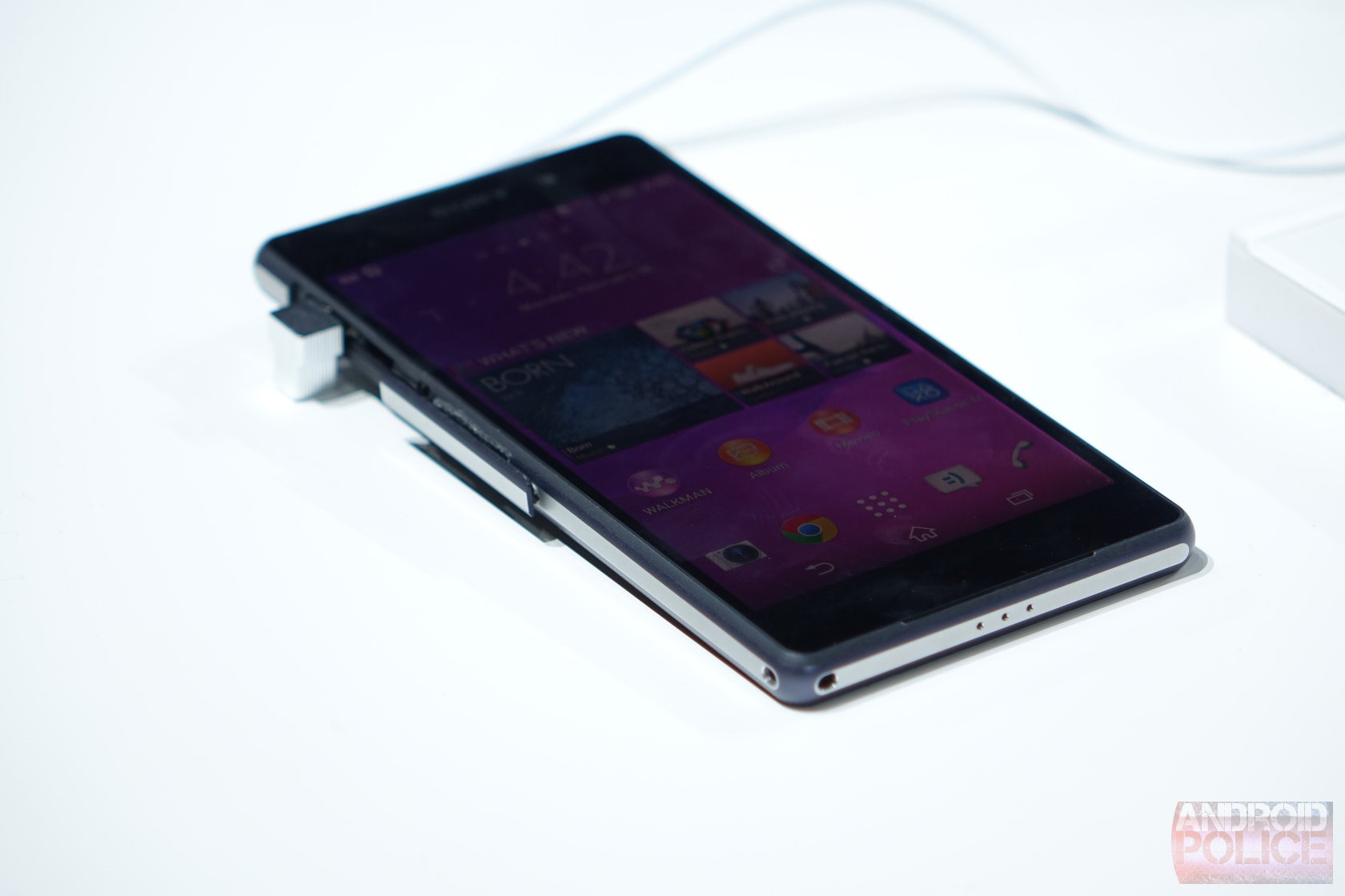 [MWC 2014] Hands-On With The Xperia Z2: Incremental ...