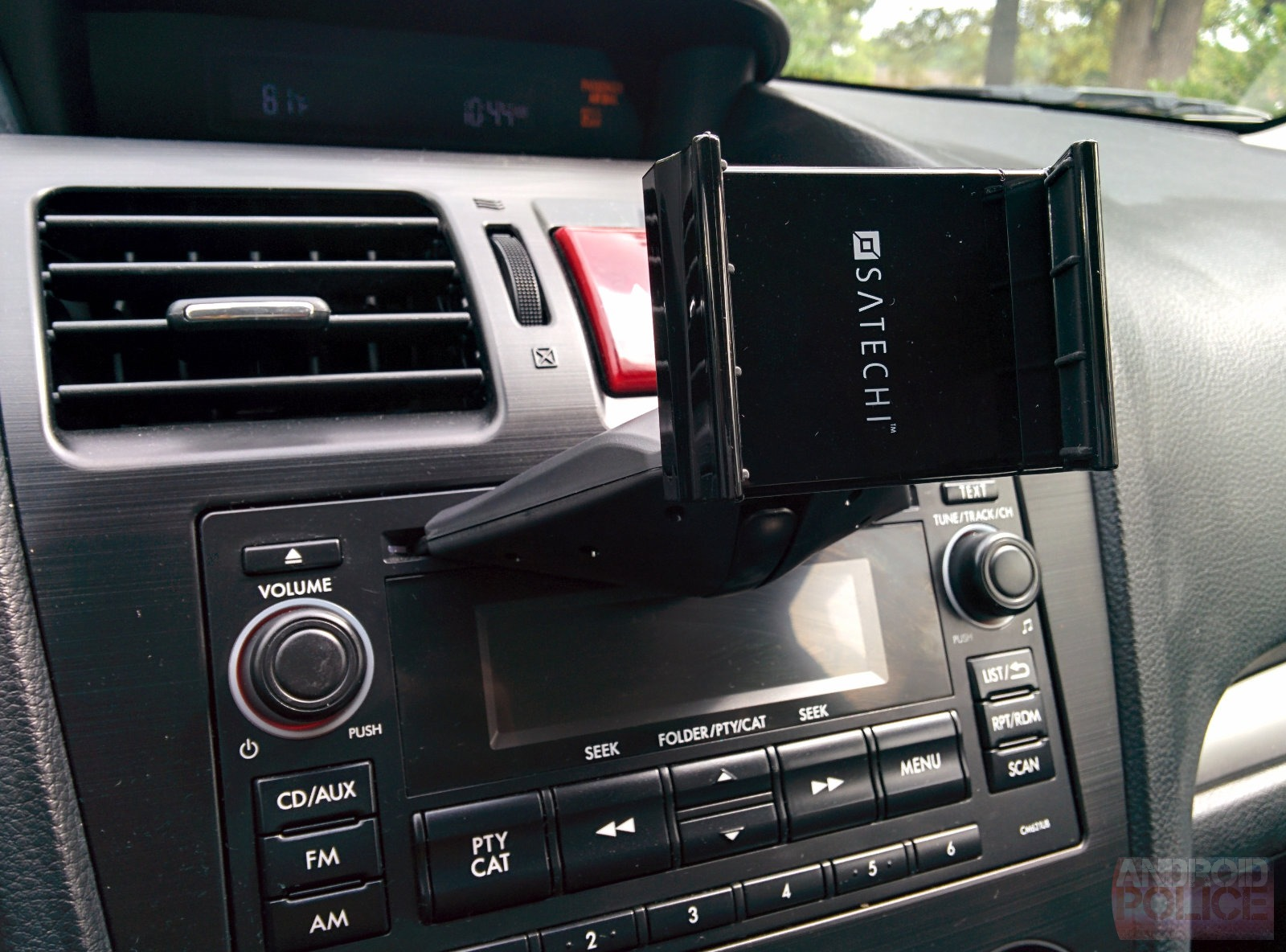 Satechi CD Slot Mount Review: It's Time To Give Your Car's
