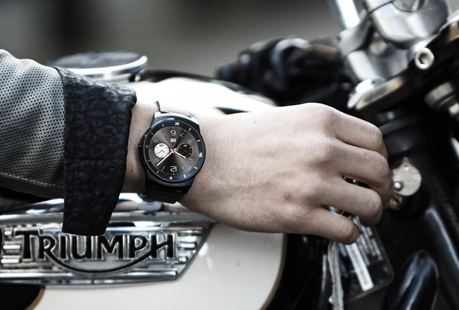 http://cdn.androidpolice.com/wp-content/uploads/2014/08/nexus2cee_LG-G-Watch-R-01_thumb.jpg