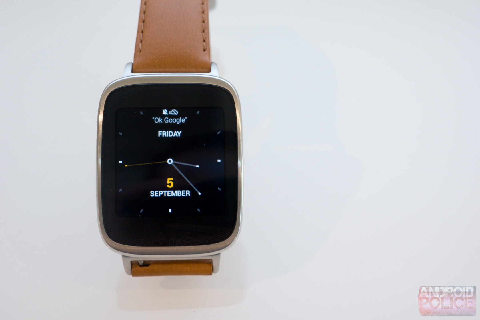 Hands On With The ASUS ZenWatch: The Best Square Android Wear Watch Yet