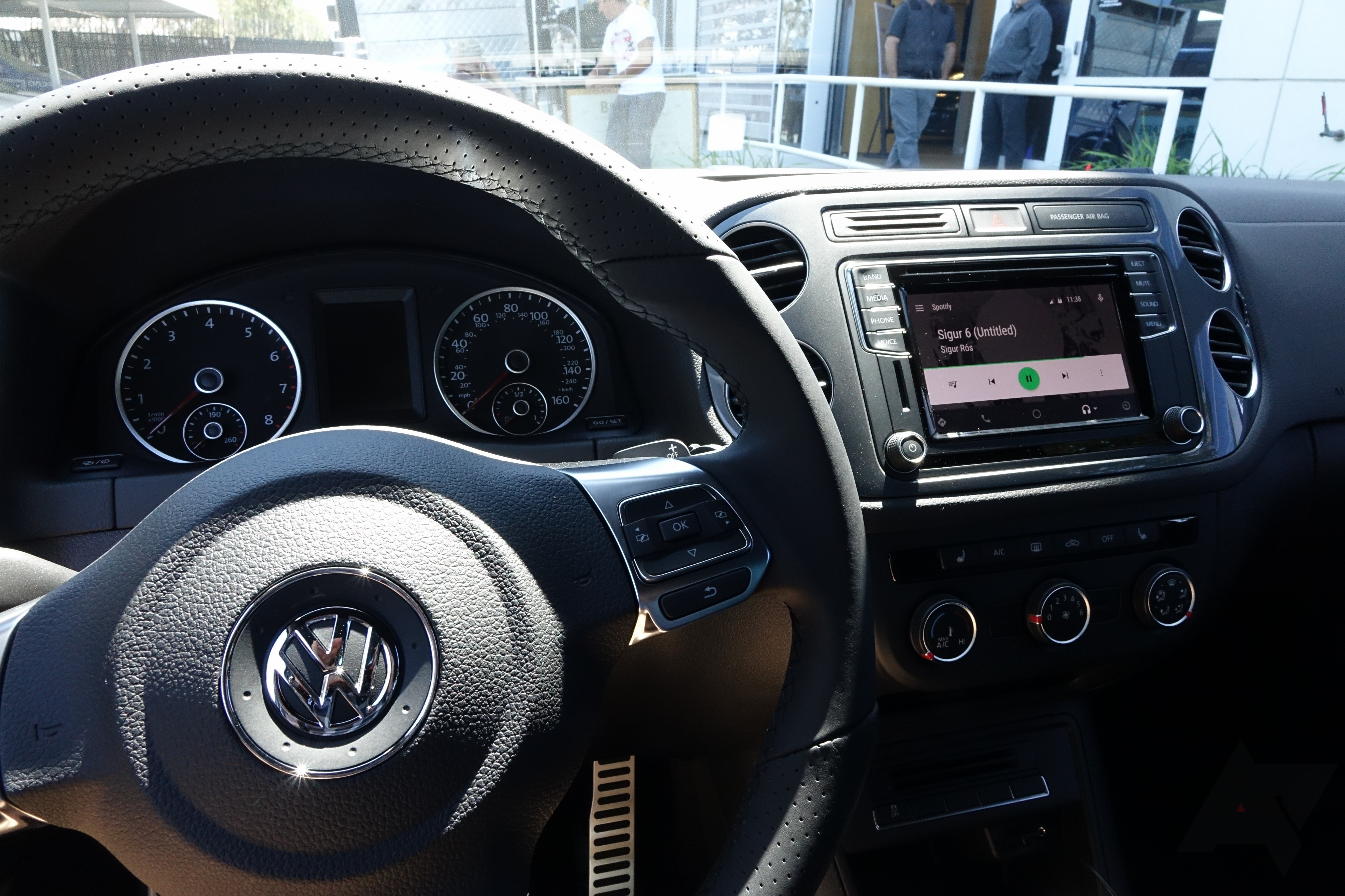 android auto on volkswagen 39 s 2016 model beebox. Black Bedroom Furniture Sets. Home Design Ideas