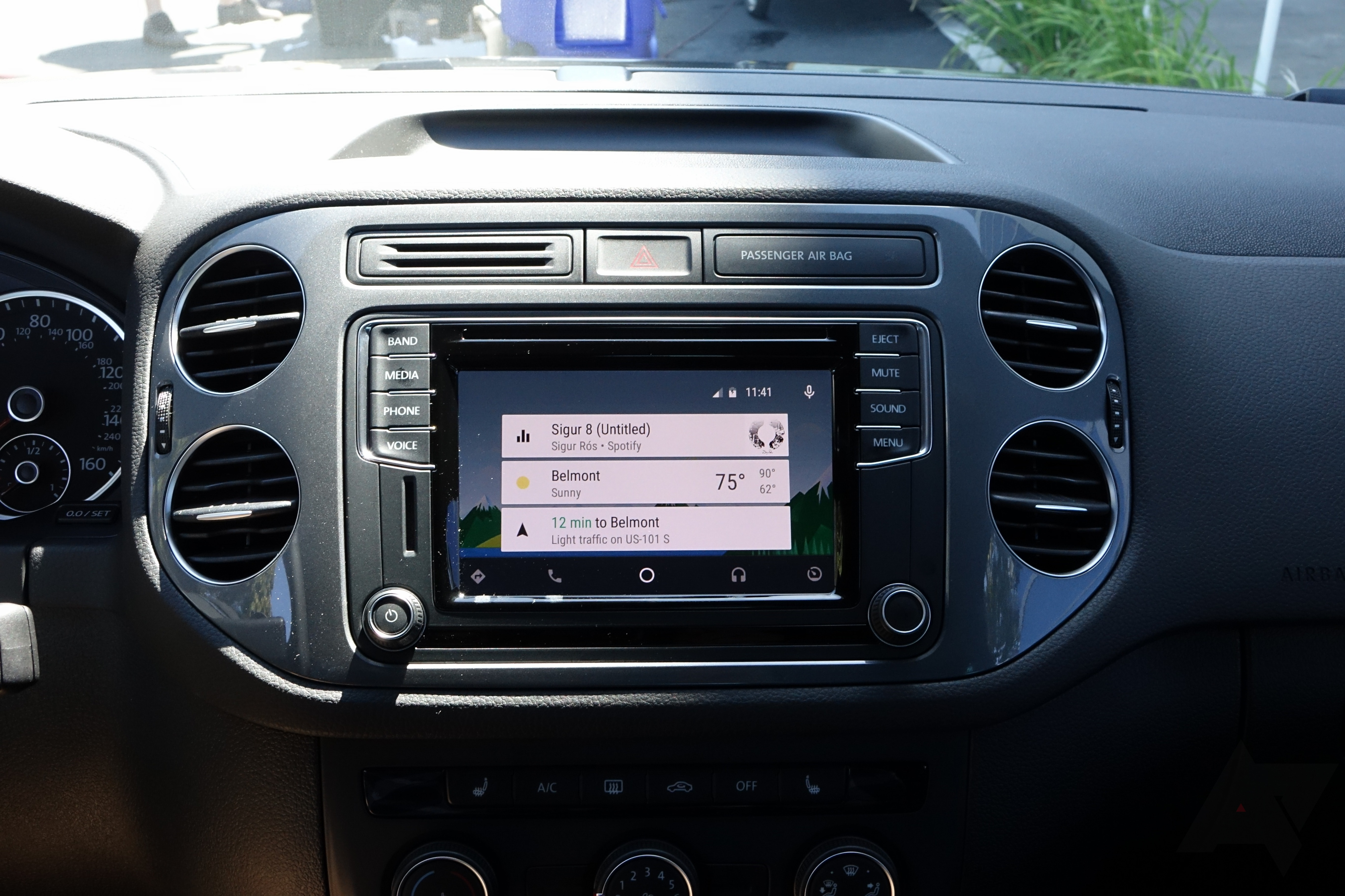 hands on volkswagen officially unveils android auto on. Black Bedroom Furniture Sets. Home Design Ideas