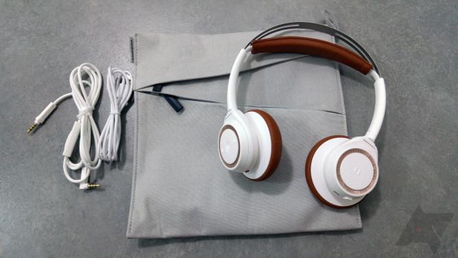 plantronics-backbeat-sense-10