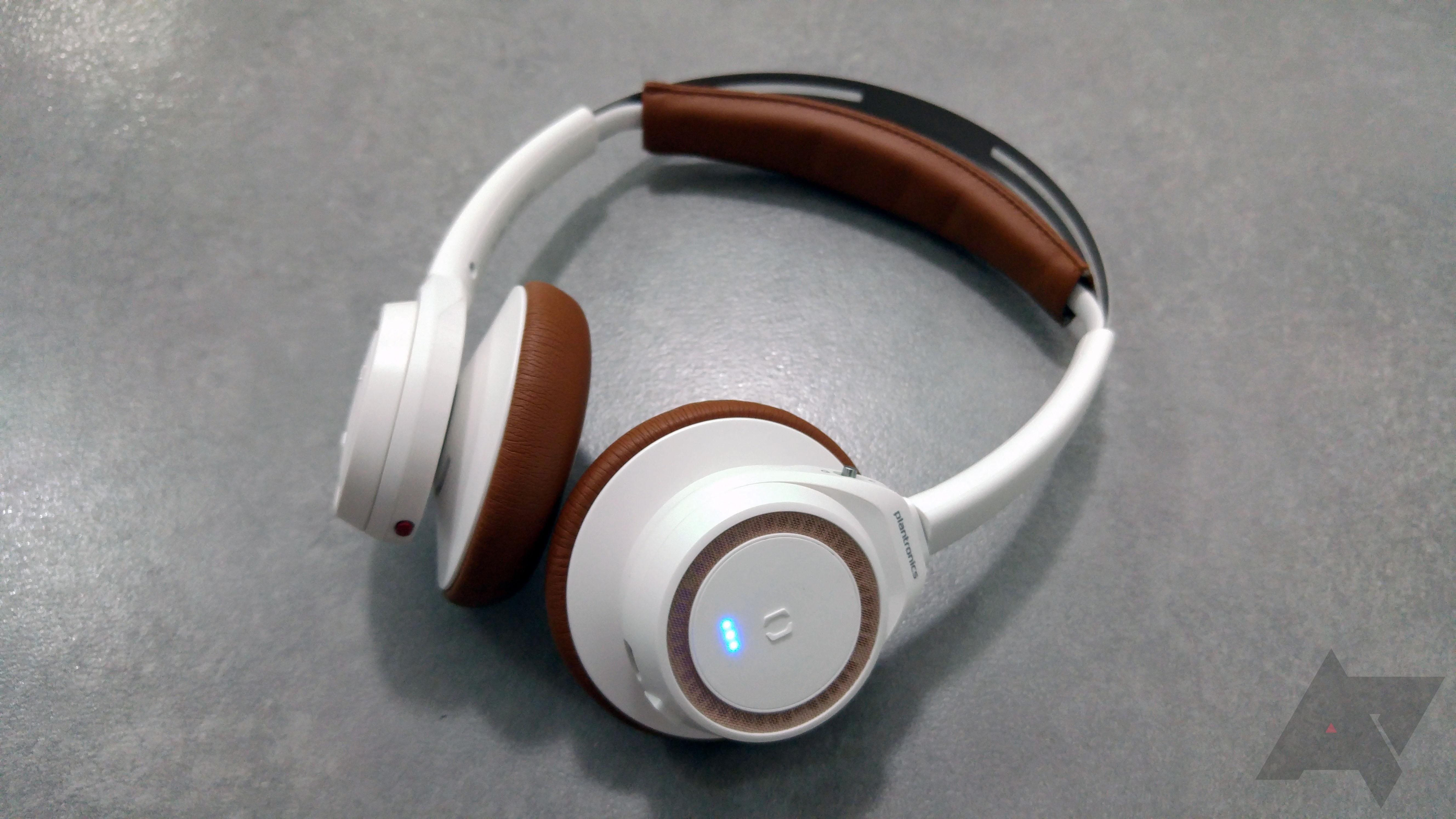 70ce7fa1eea Hands-On] Plantronics Announces The BackBeat SENSE, A Smart ...