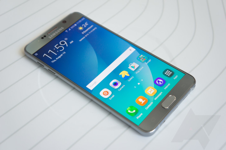 Samsung Note 2 smartphone catches fire in an Indigo flight — Chennai