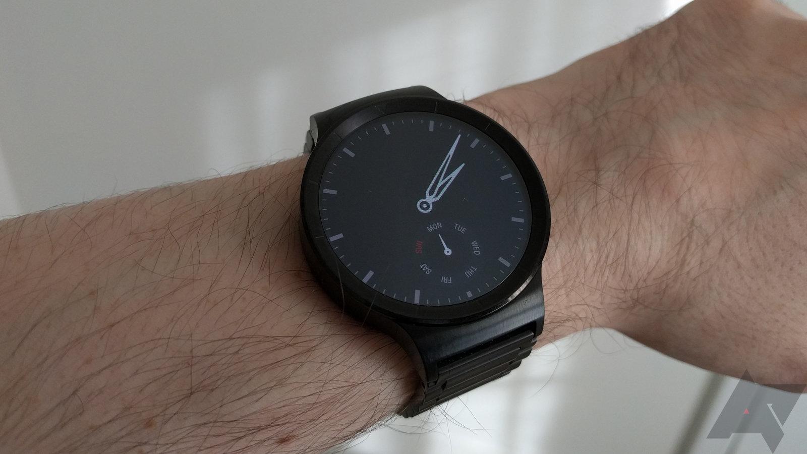 Huawei Watch Vs Moto 360 V2 Which One Belongs On Your Wrist Smart Black Stainless Steel Wm 2015 11 02 140832
