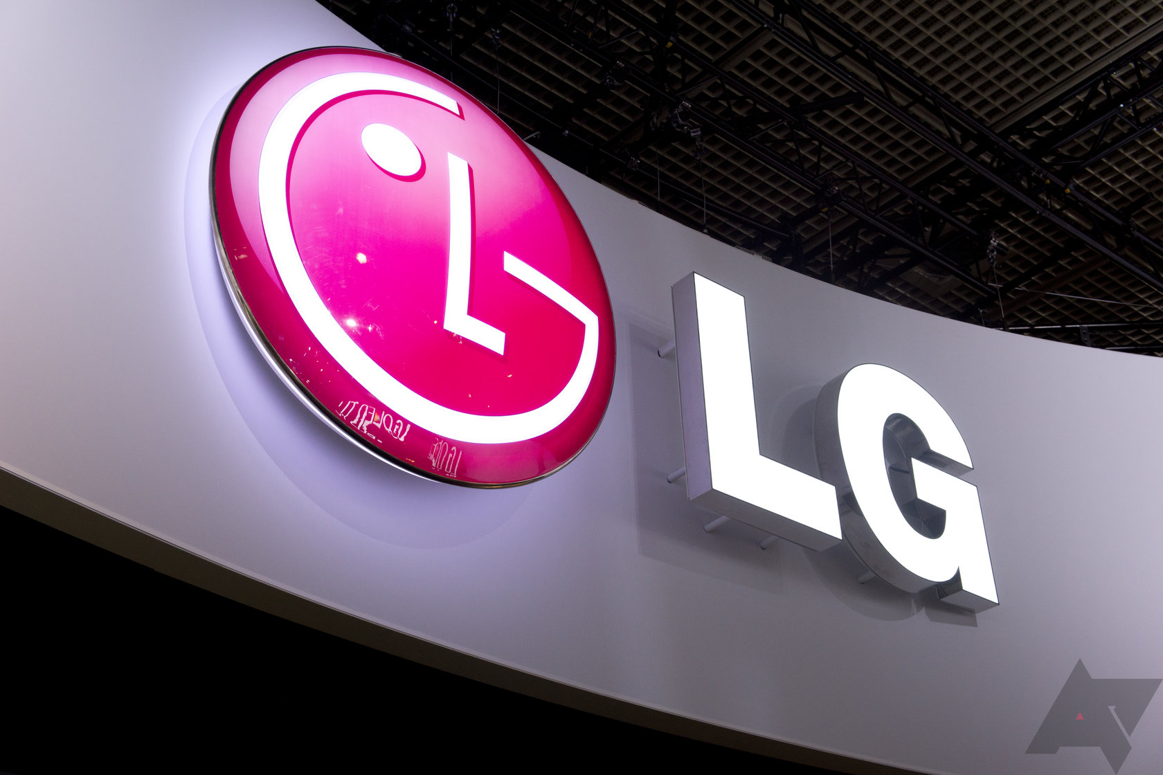 Leak suggests lg g5 will have a secondary ticker display and android police biocorpaavc