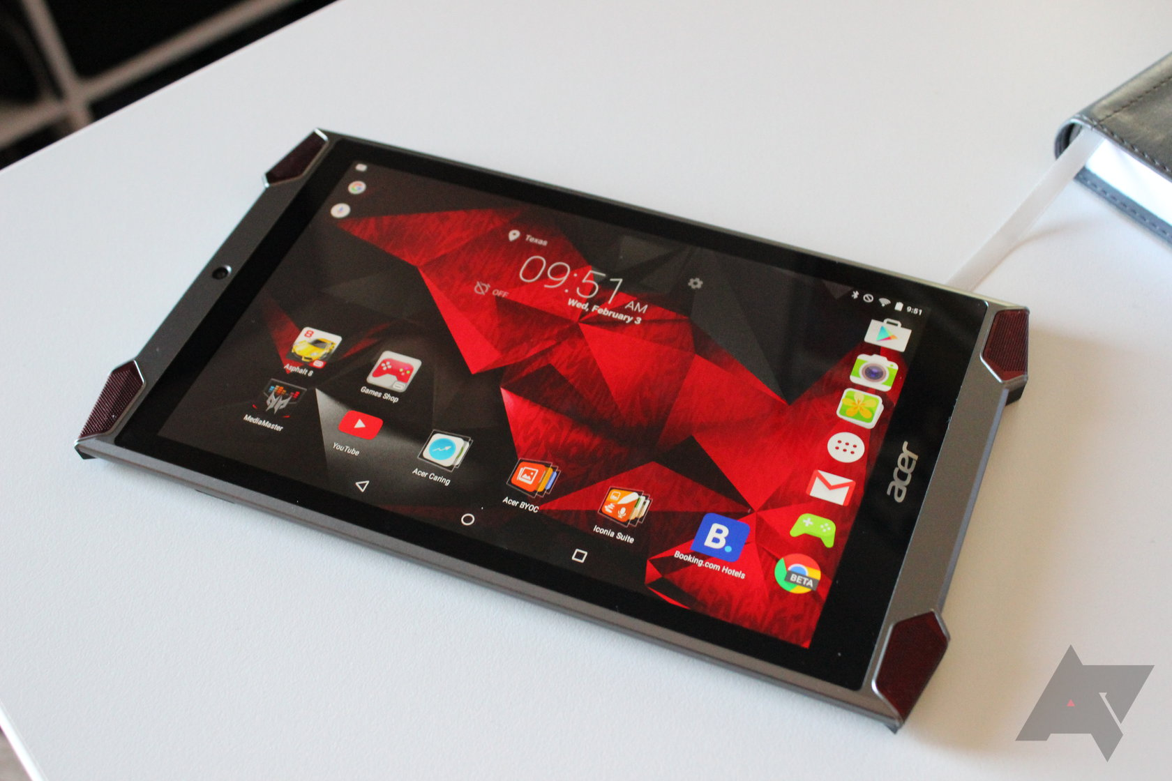 Acer Predator 8 Gaming Tablet Review: It's Everything That Nobody Wants In A Tablet