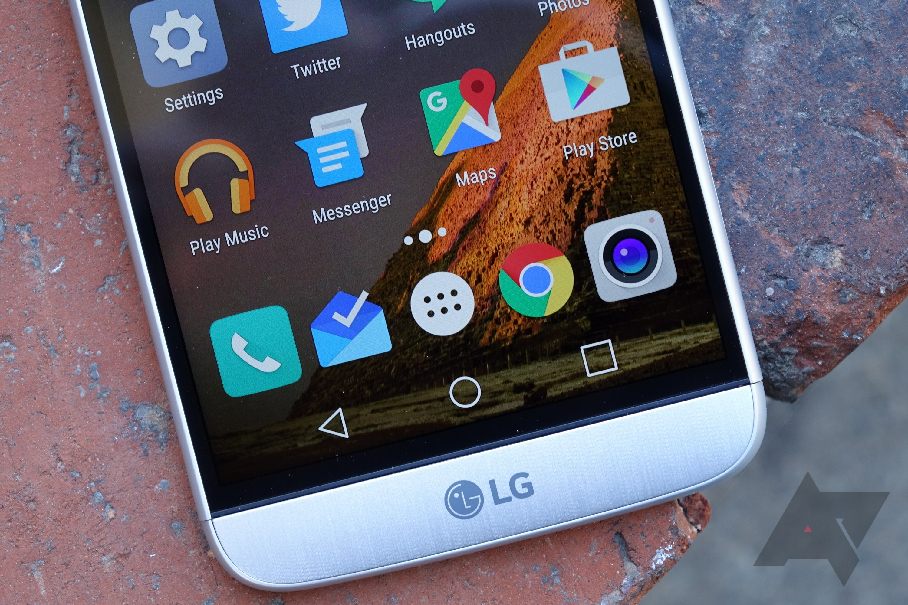 LG G5 Review: A Bit Of A Mess, Frankly