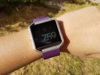 fitbit-blaze-direct-sunlight-2