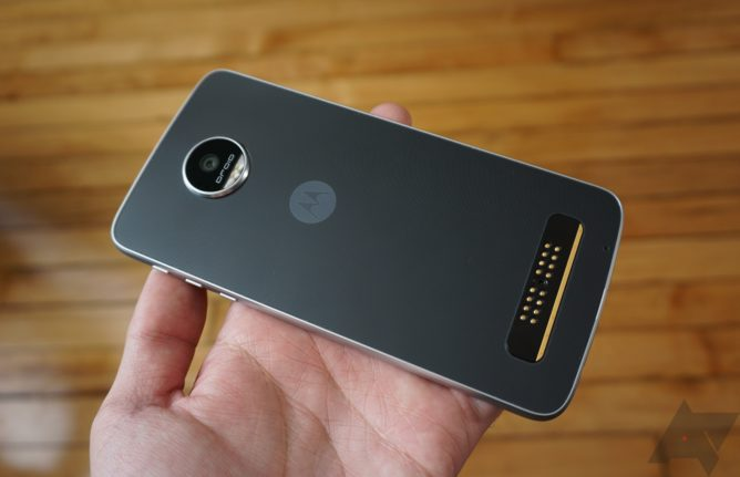 Moto Z Play Nougat Update in Early Preview Testing