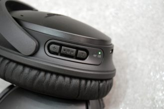 bose-qc35-controls