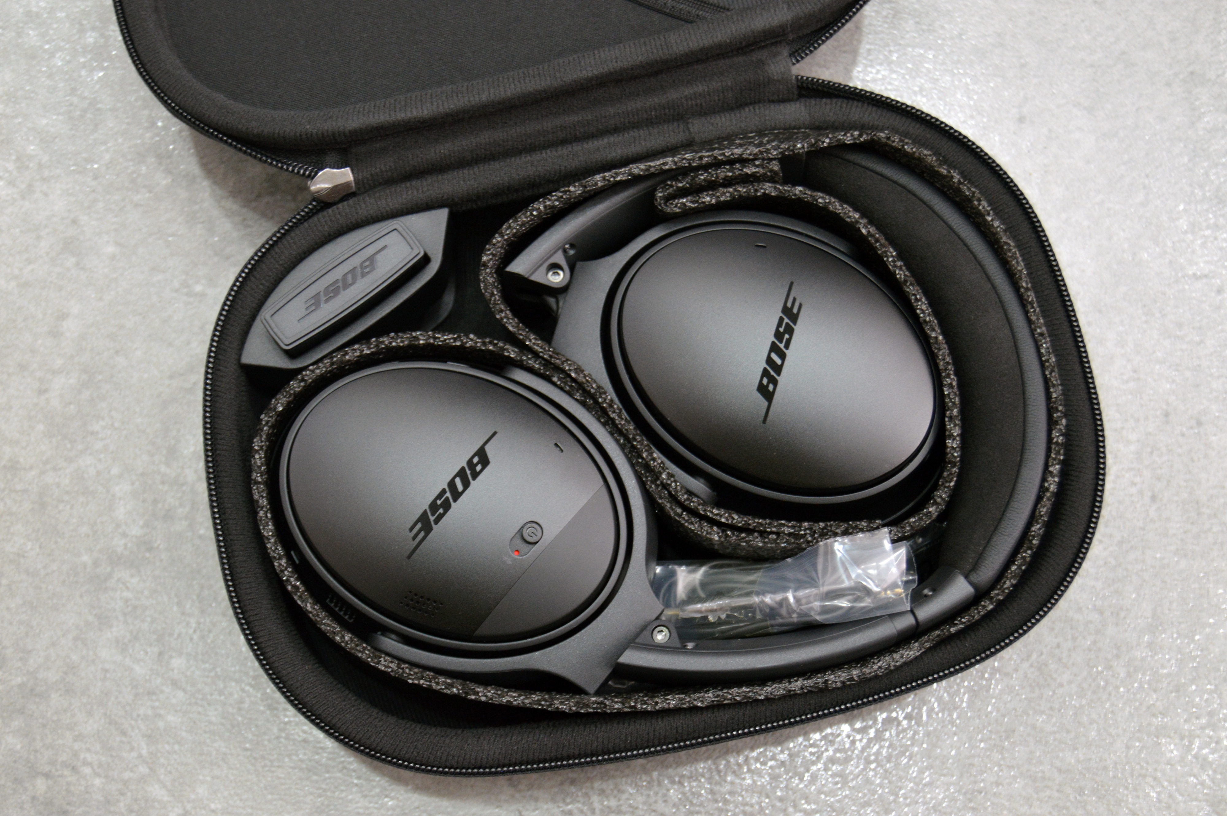 Bose Quietcomfort 35 Review Superb Quiet And Comfort Come With A Qc25 Headphone For Apple Devices White Qc35 Unboxing 2