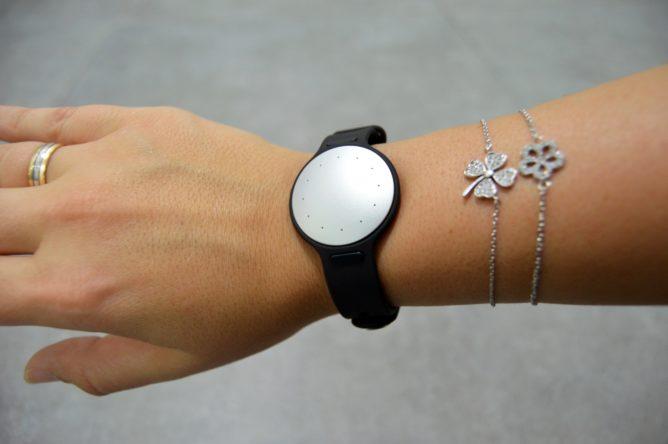 misfit-shine-2-wrist-black