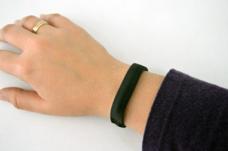 fitbit-flex2-hand