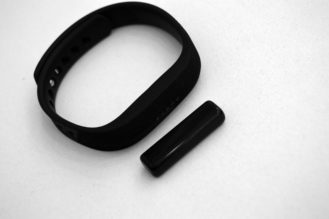 fitbit-flex2-tracker-band