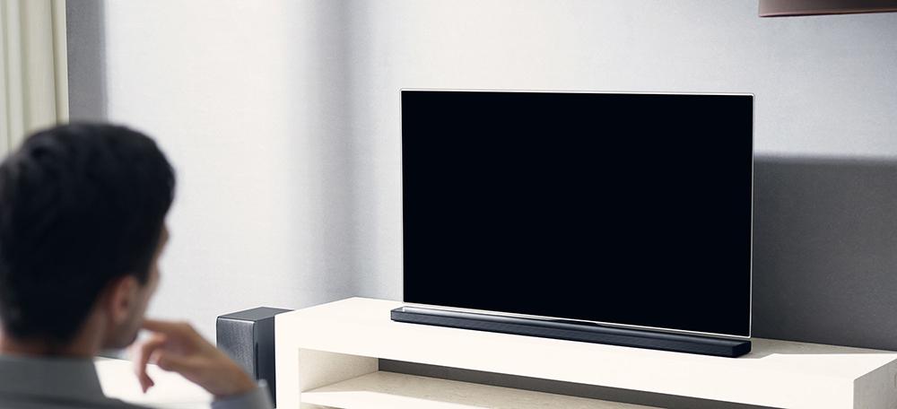 LG's new SJ soundbar series brings Chromecast, high