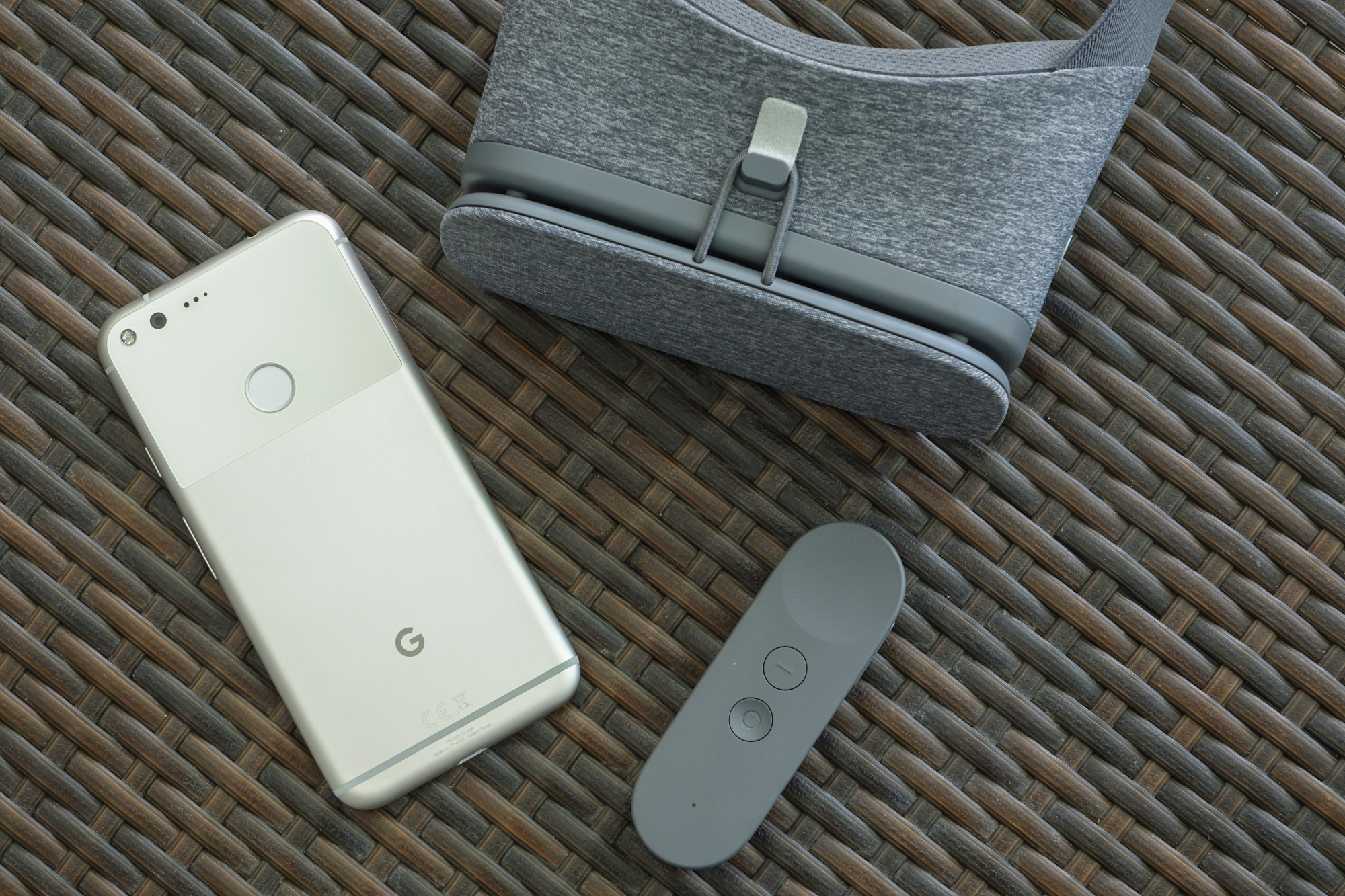 Google Daydream hasn't done anything to fix VR's biggest