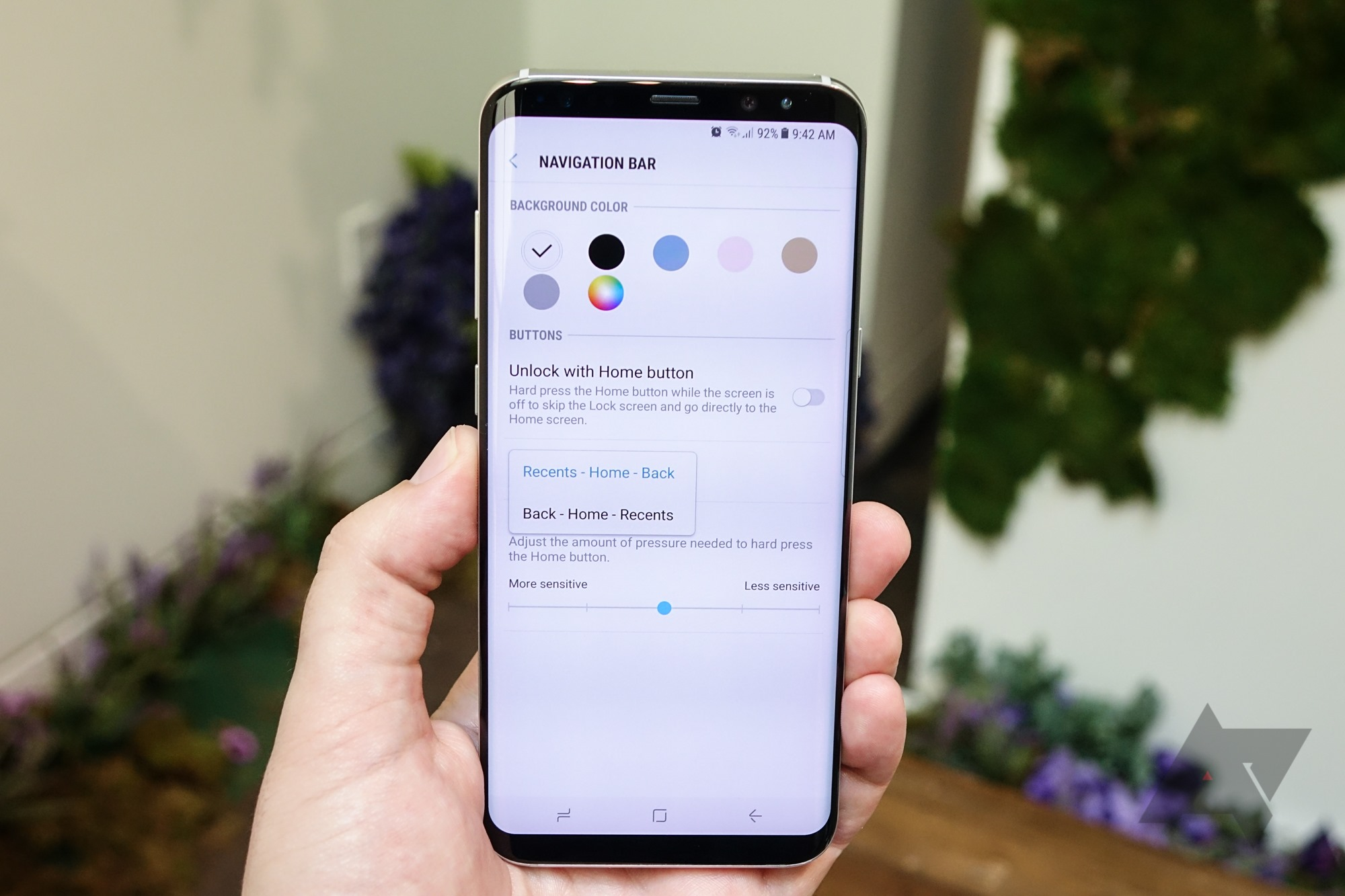 The Galaxy S8 has configurable virtual navigation buttons - and an