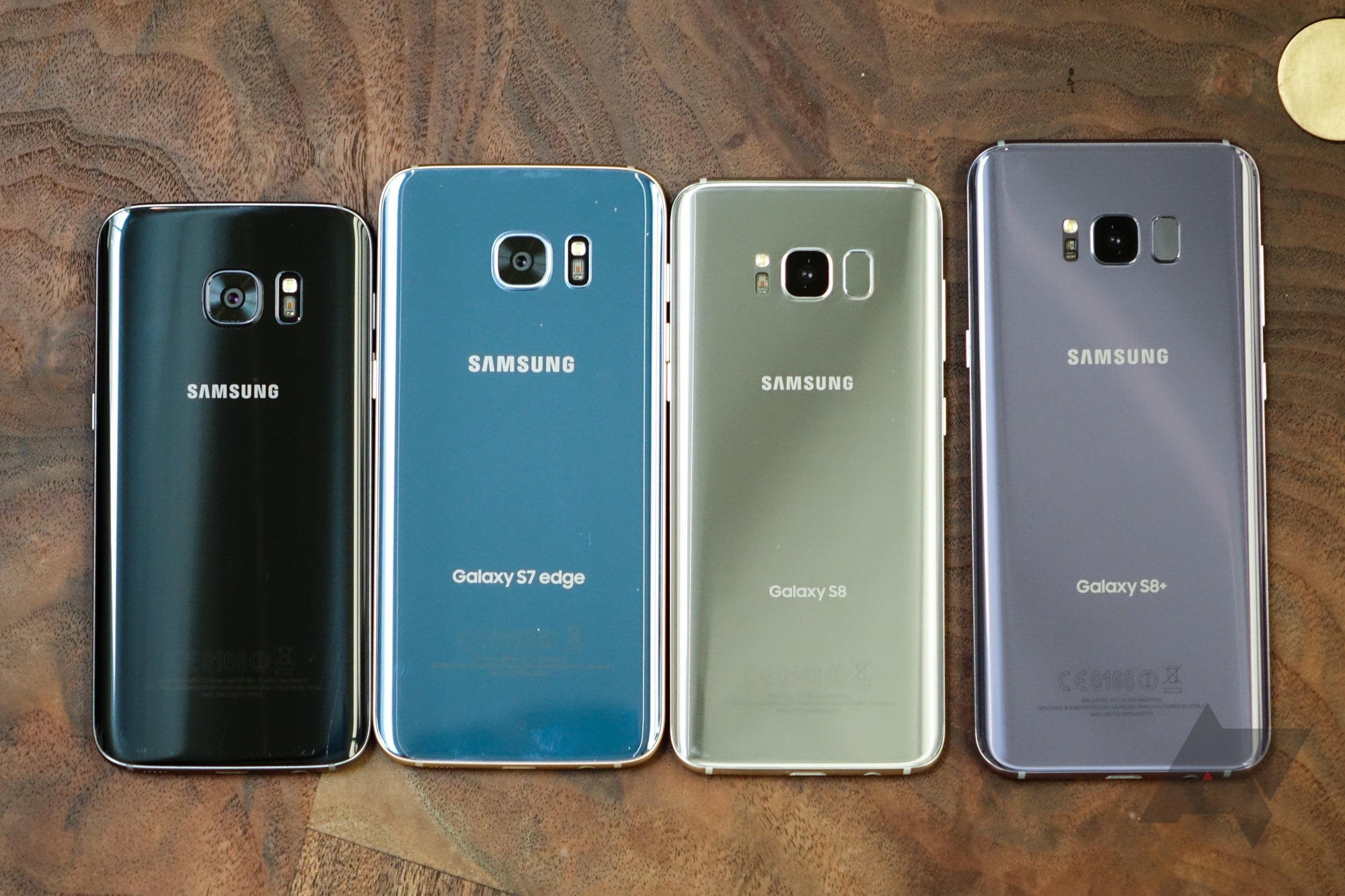 galaxy s7 and s7 edge vs galaxy s8 and galaxy s8 photos. Black Bedroom Furniture Sets. Home Design Ideas
