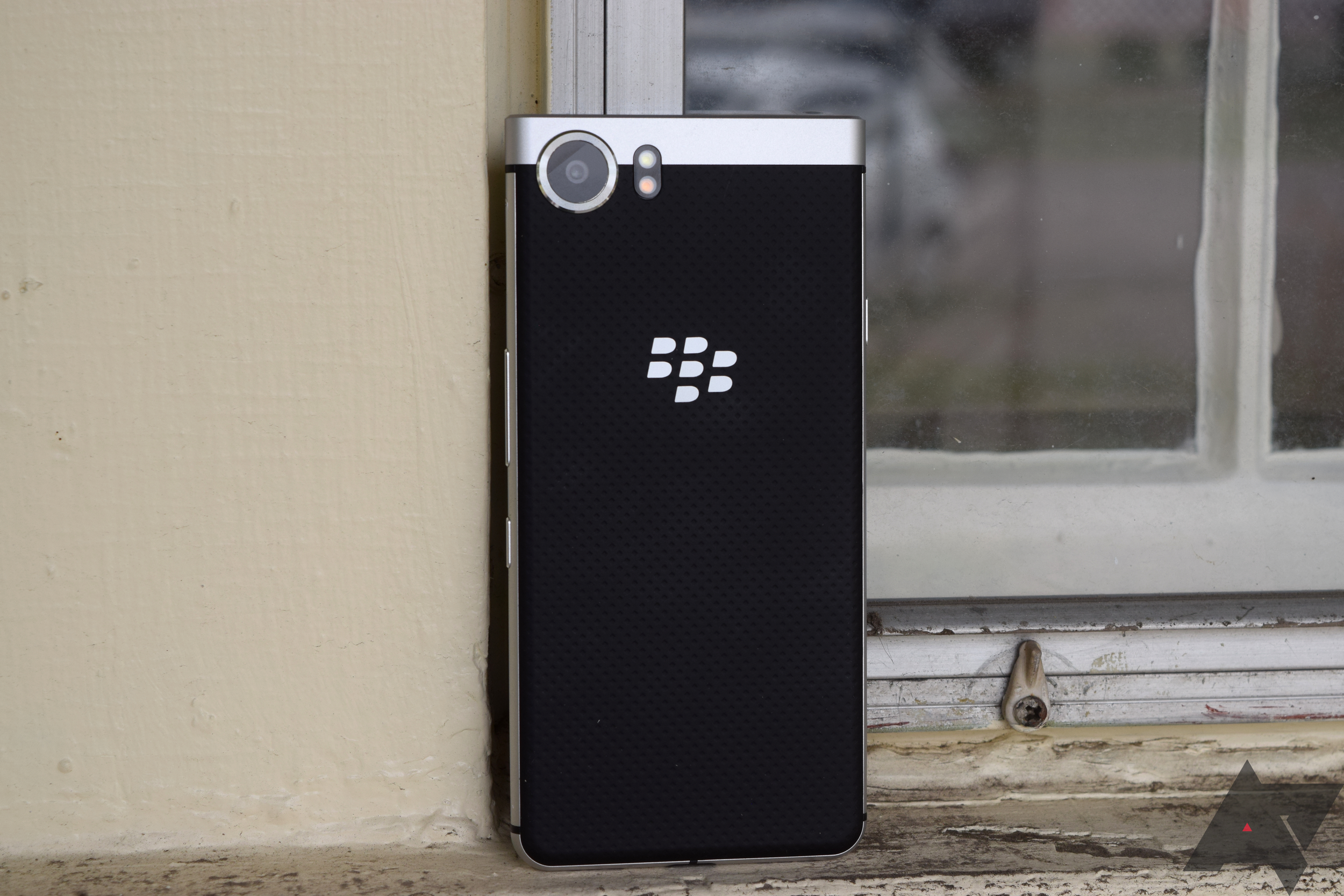BlackBerry alleges Facebook, WhatsApp, and Instagram are