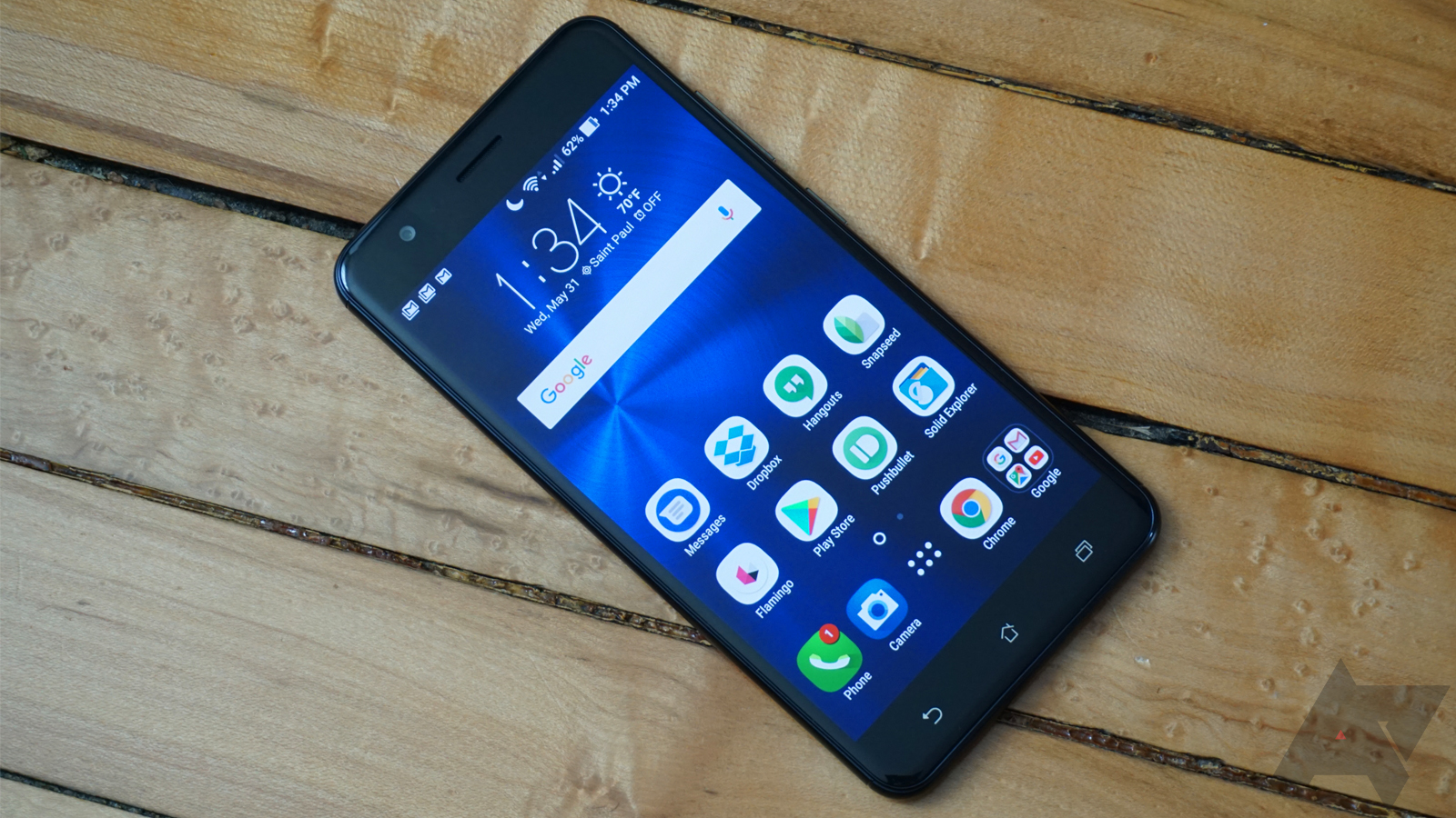 Asus Zenfone 3 Zoom Review A Promising Phone That Falls Victim To Original Usb Kabel Data For Was Not On The Radar Of Most Us Buyers Until 2 Popped Up Few Years Ago With Solid Specs Reasonable Price But