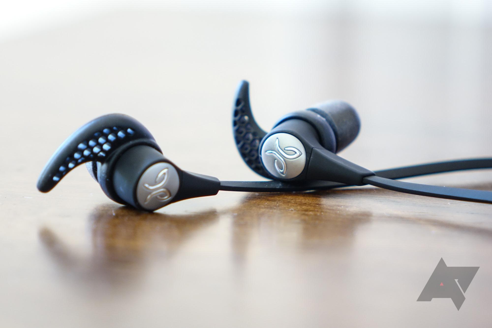 Weekend poll: Do you use Bluetooth headphones?