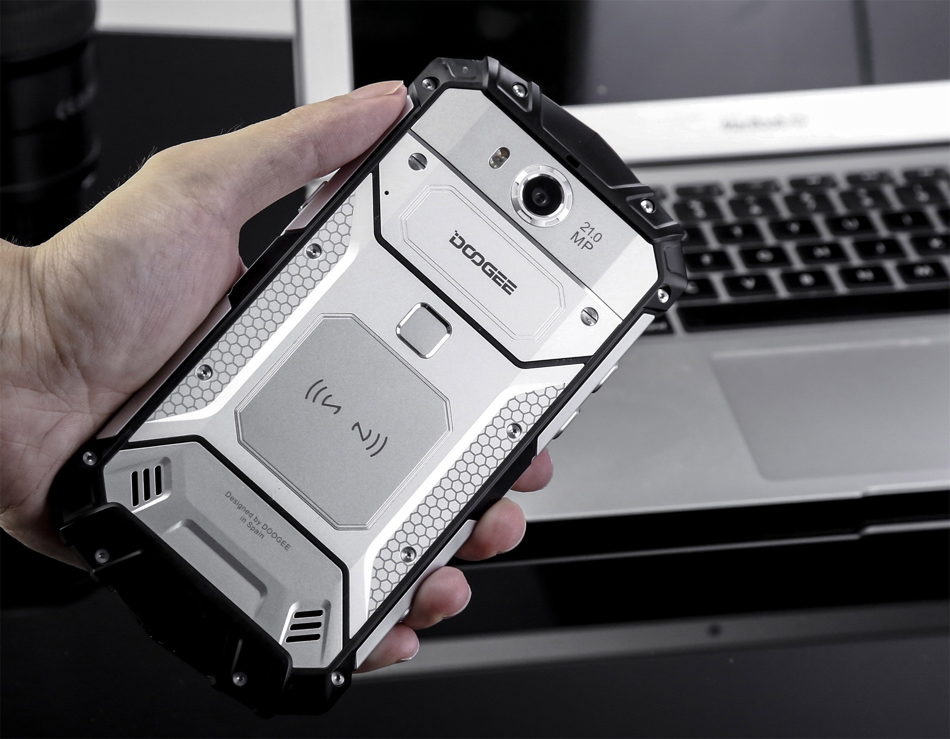 The Doogee S60 Is The One Who Reinvents Rugged Phone