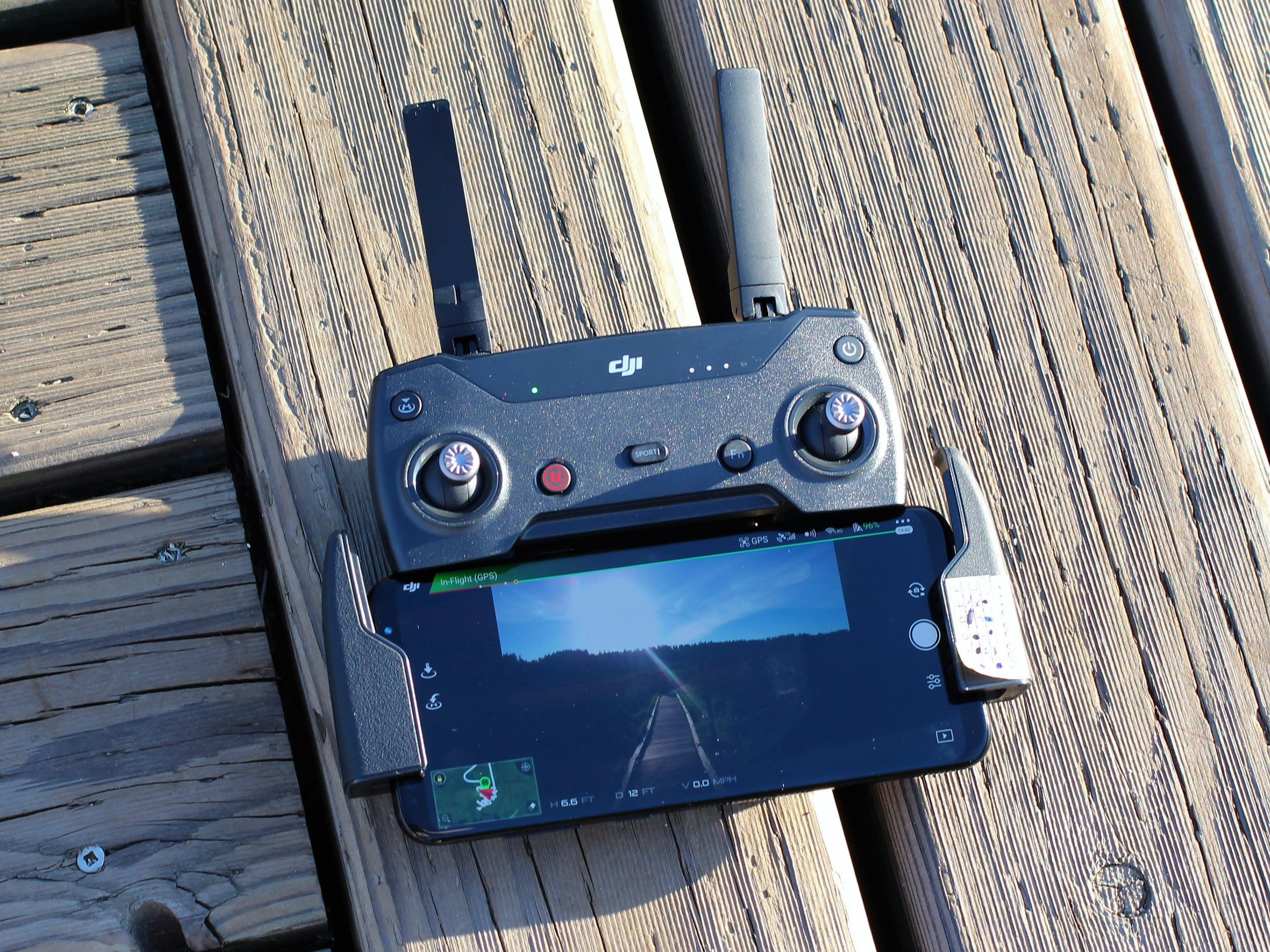 Dji Spark Review A Delightful Little Drone Weighed Down By An Topspeed Controls Commands N Game Manual Music Video There Are Dedicated Buttons On The Controller For Photo And Capture As Well Emergency Pause Button Return To Home