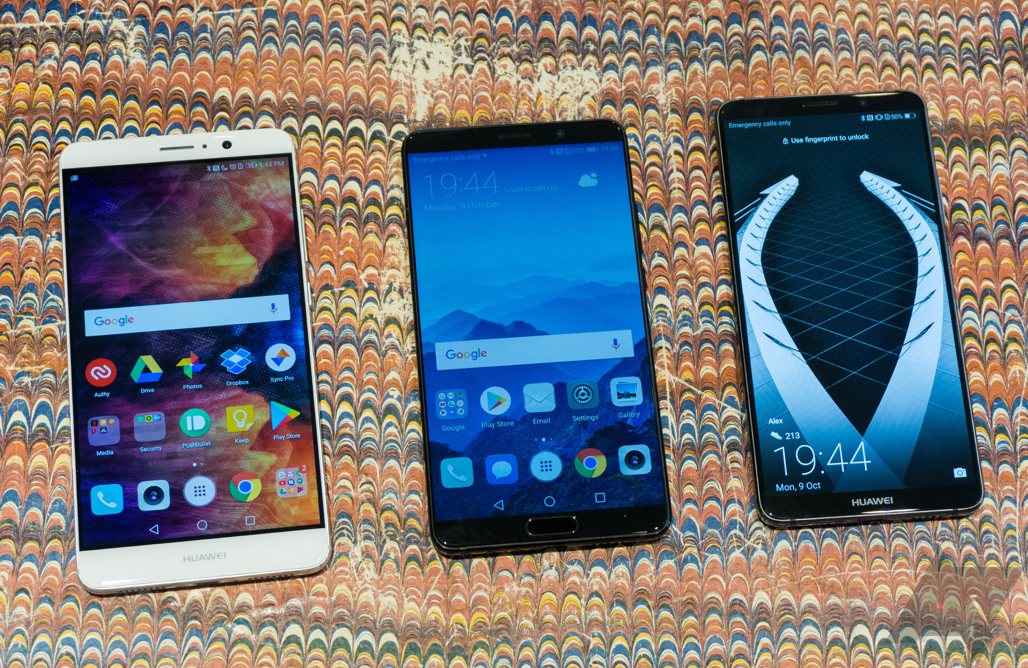 Hands-on with the Huawei Mate 10 and Mate 10 Pro: Plugged into the