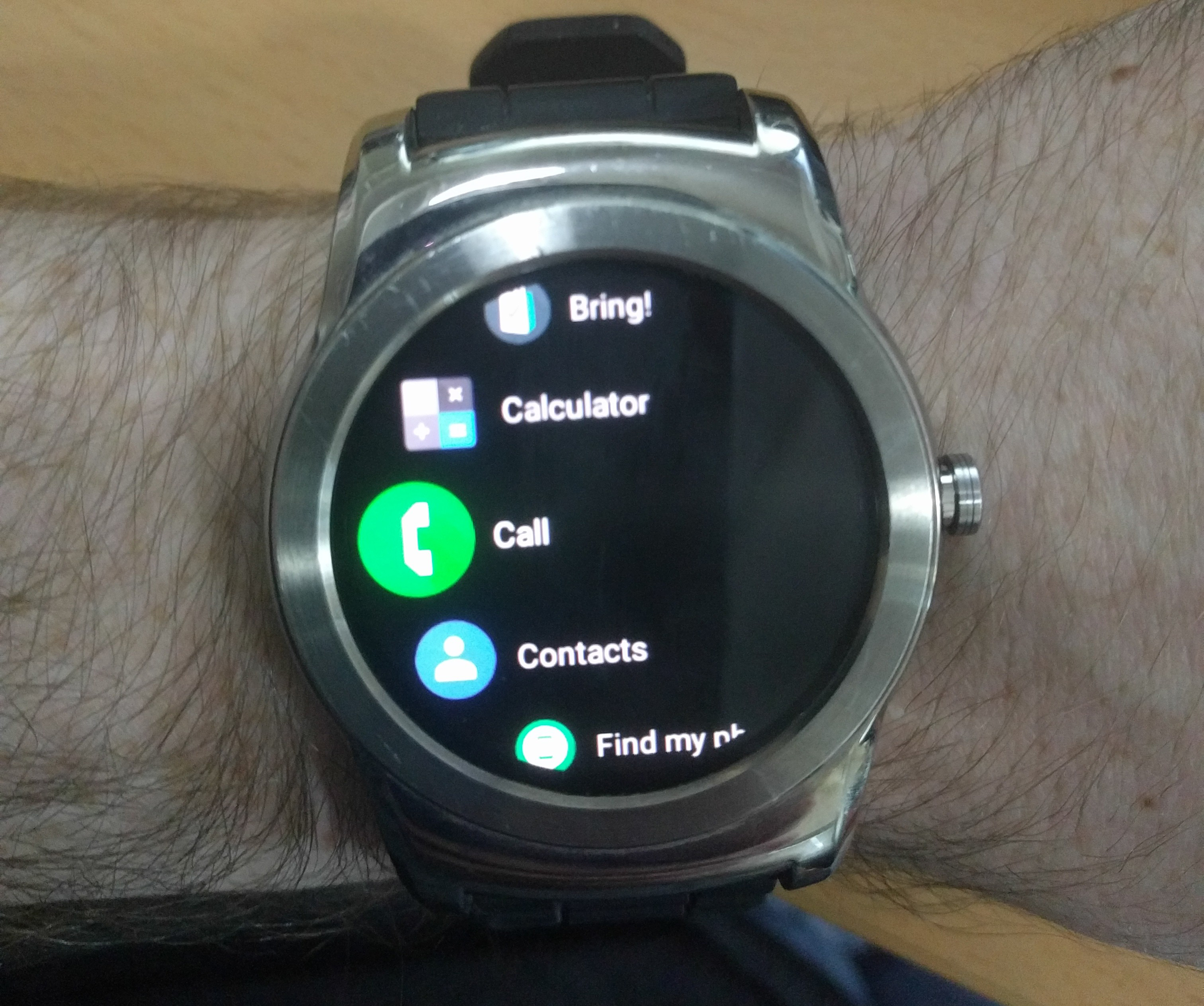 Android Wear android wear v2.8 app update adds darker background and
