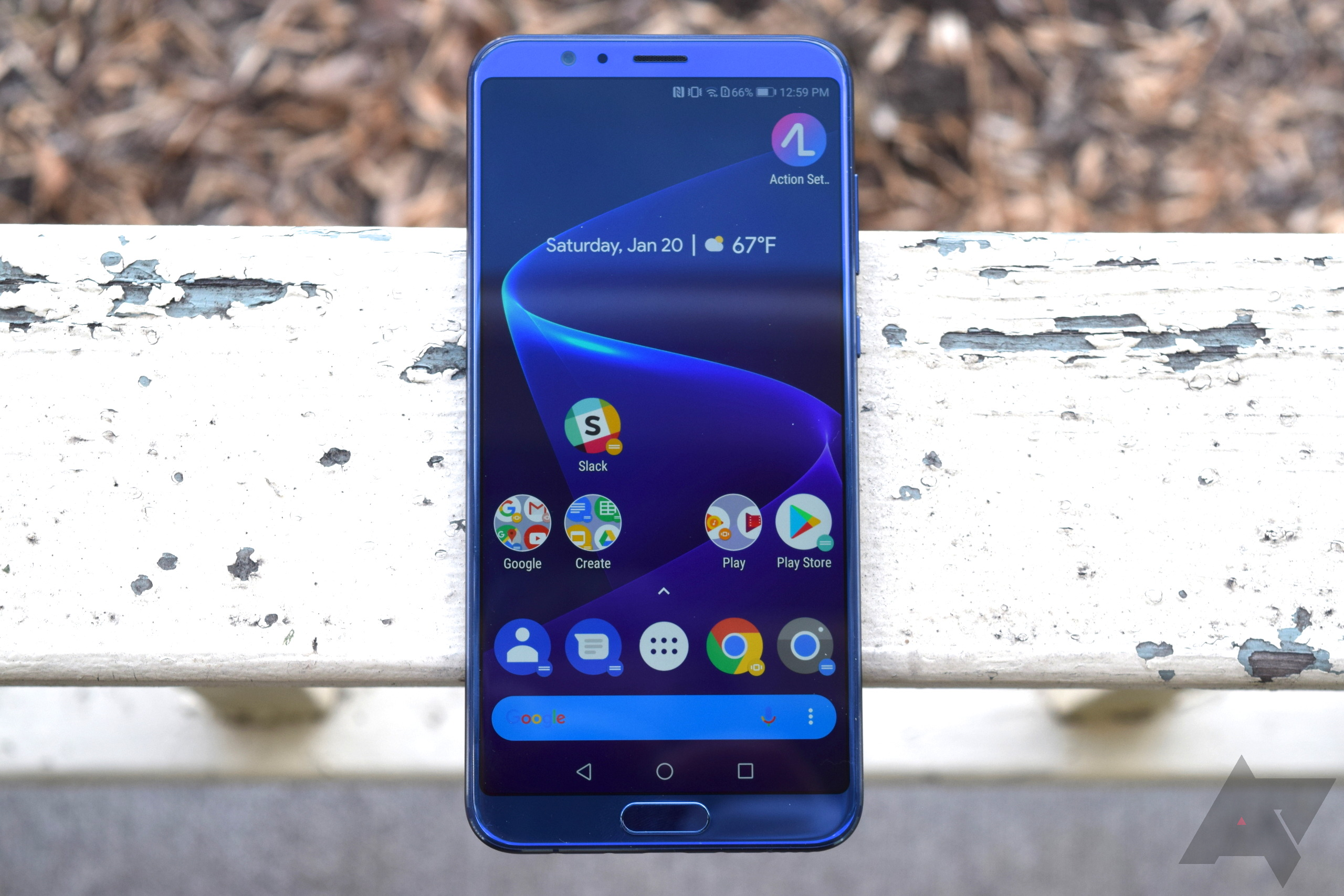 Honor View10 is down to $380 ($120 off) on Amazon and B&H