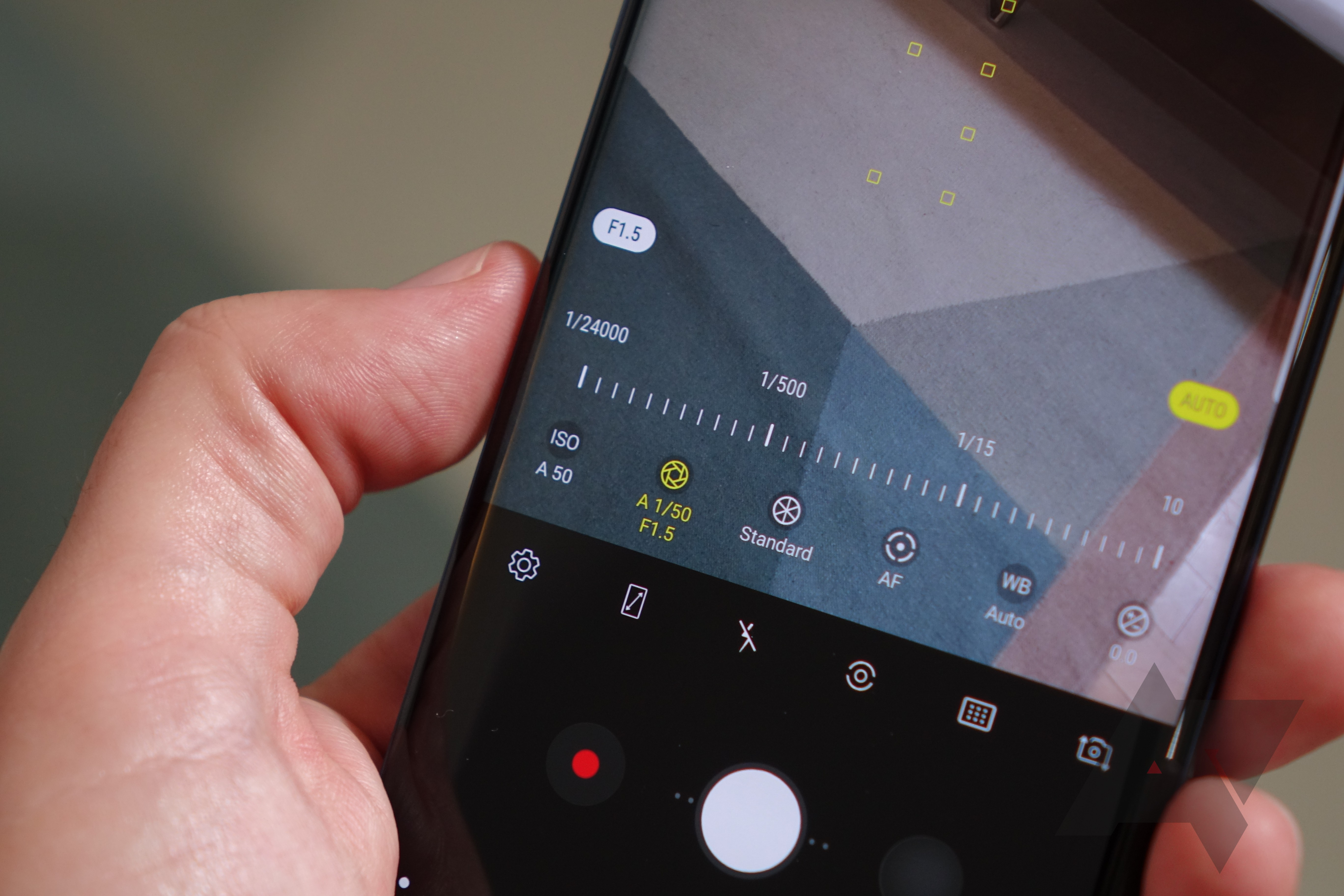 the galaxy s9 and s9 have dual aperture cameras here s what that rh androidpolice com