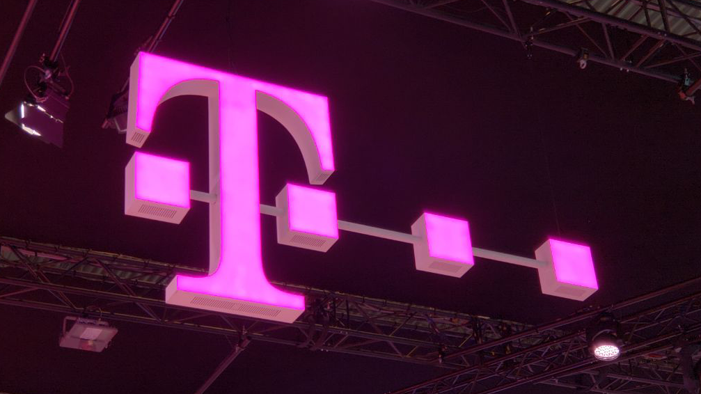 U.S. security panel reportedly approves T-Mobile/Sprint merger, as long as the carriers don't use Huawei equipment