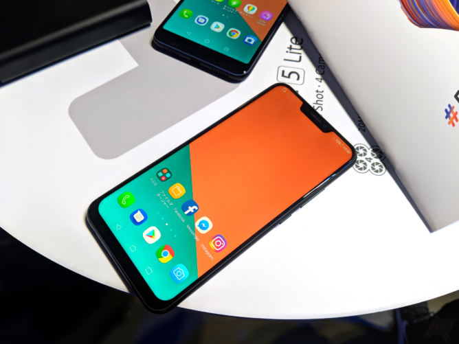 MWC 2018: ASUS showed the ZenFone 5 smartphones and 5Z