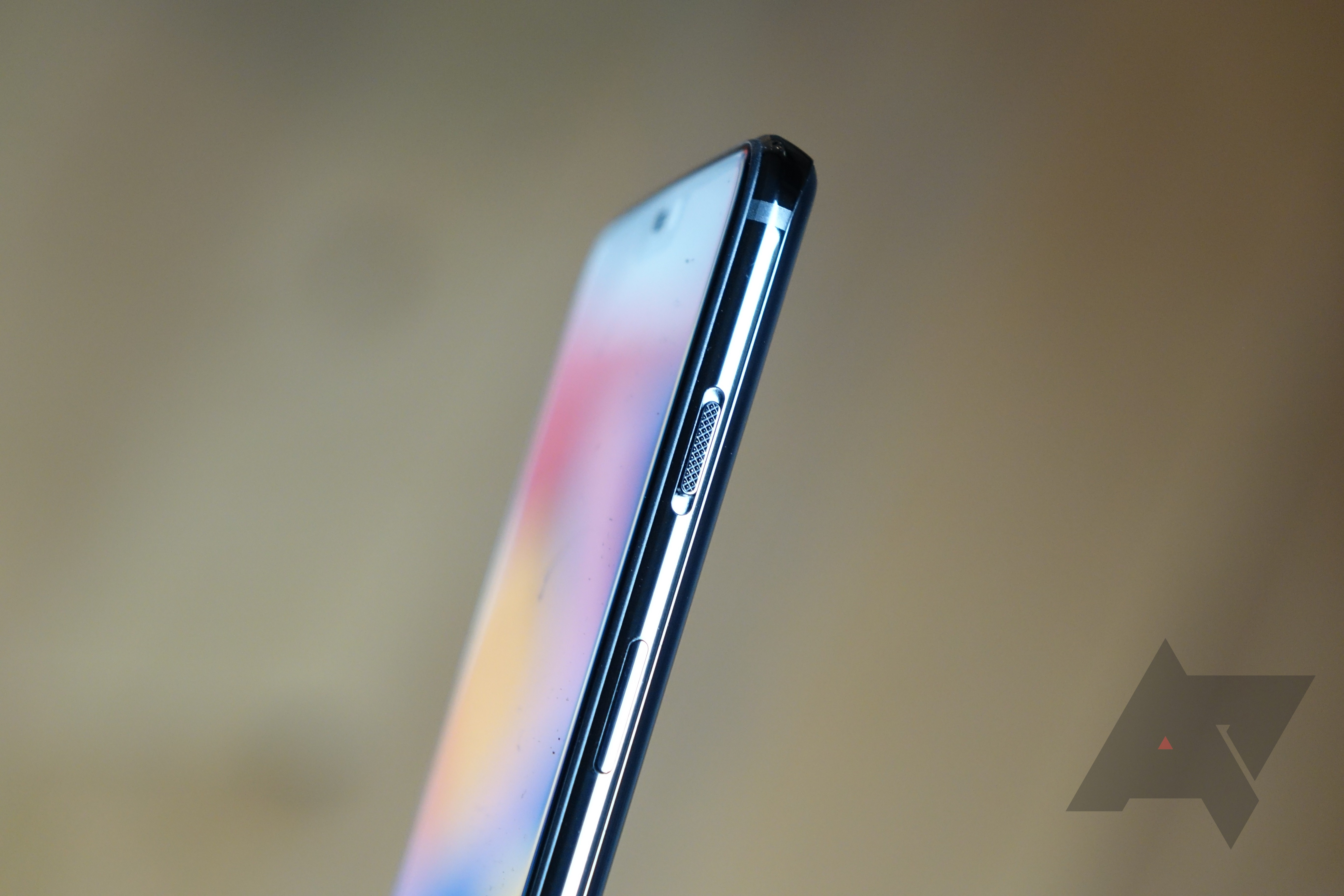 The OnePlus 6's alert slider key finally works like it