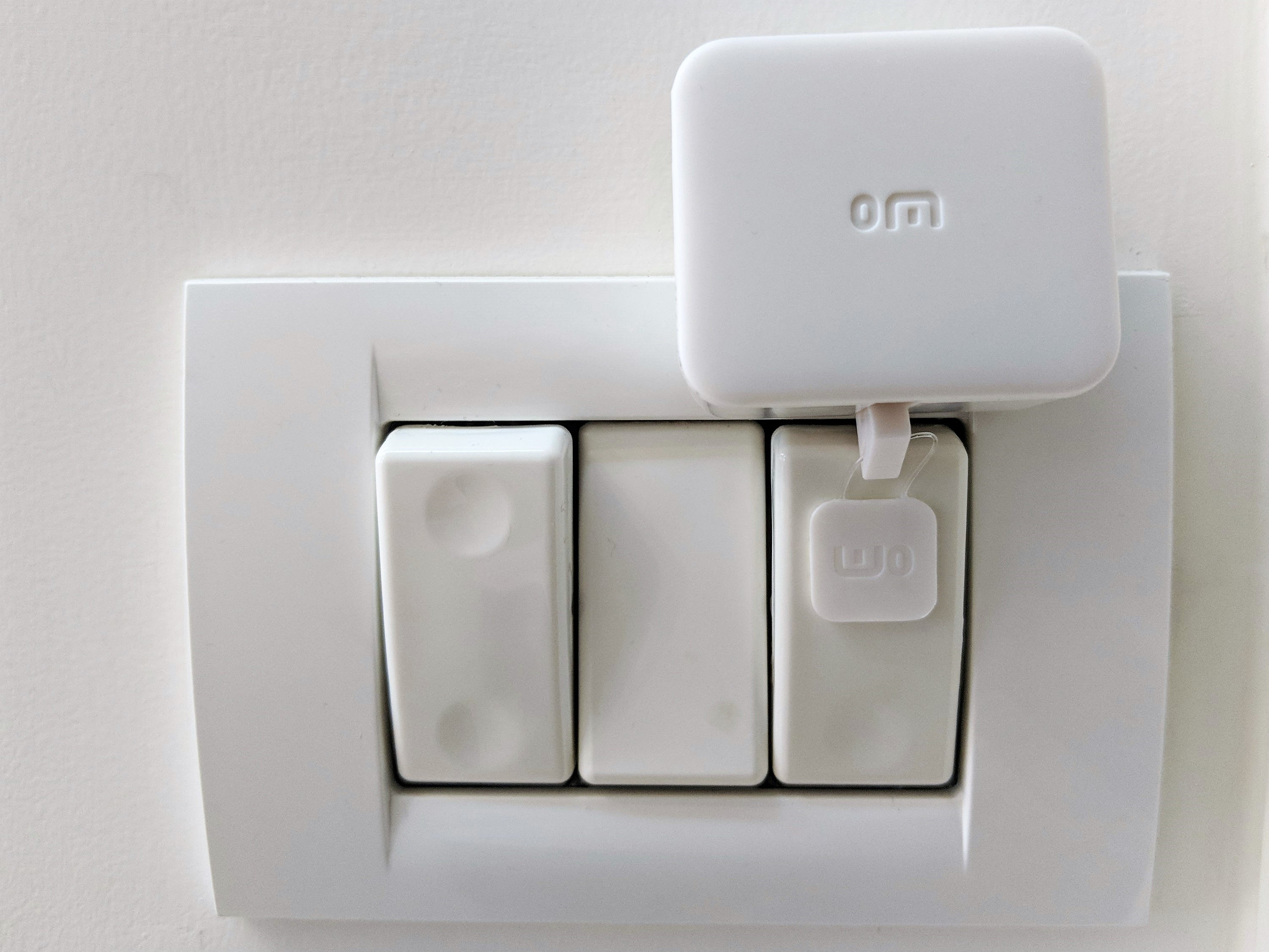 Switchbot Review Simple Automation For Any Switch Or Button In Your Smart Light Switches Require No Wiring Gizmodo Australia The Bot Comes With Two 3m Stickers So You Still Have A Back Up Plan Case Install It Somewhere And Would Rather Change That Later