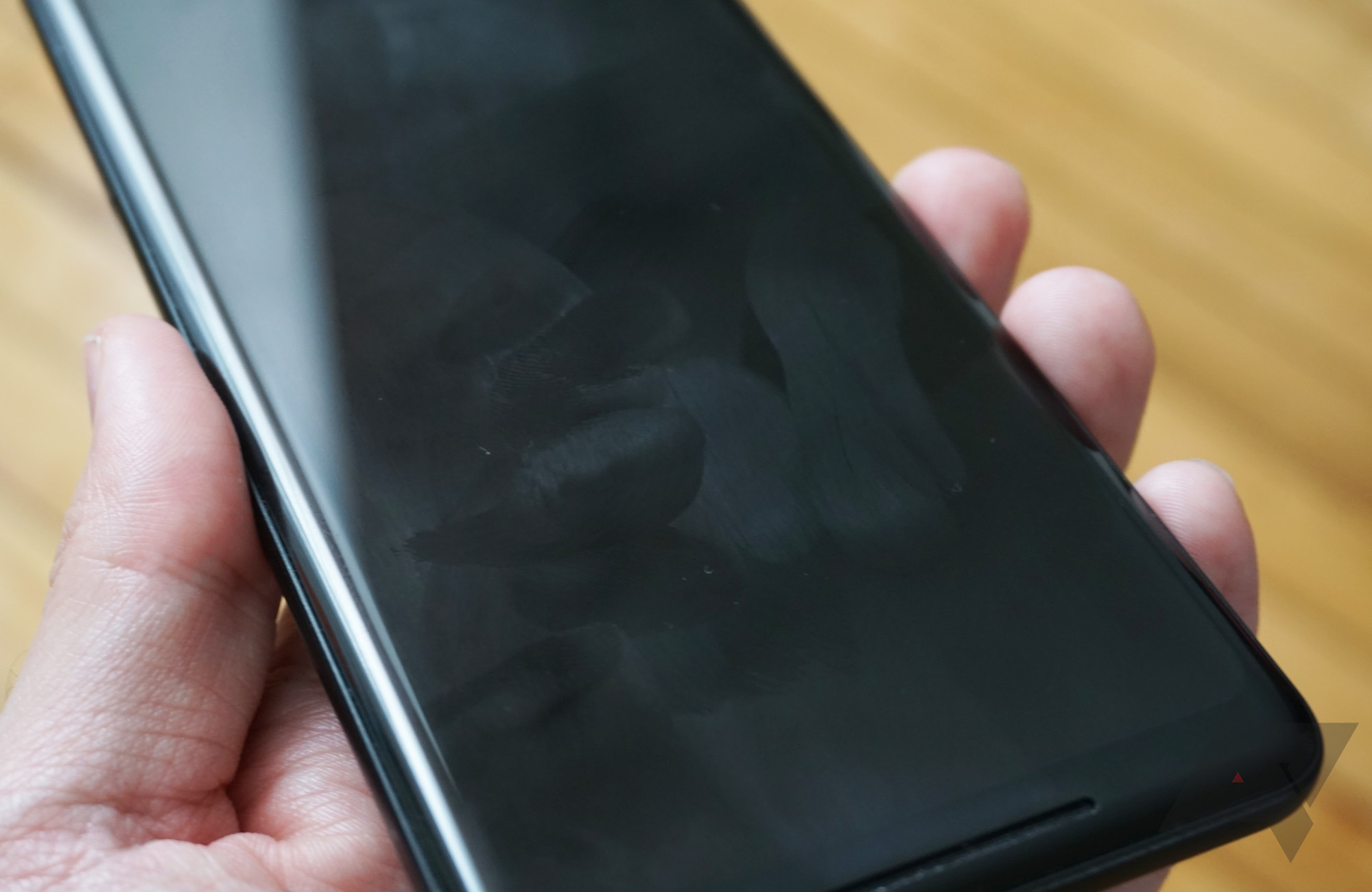 The Pixel 2 XL's oleophobic coating is so bad I almost don't