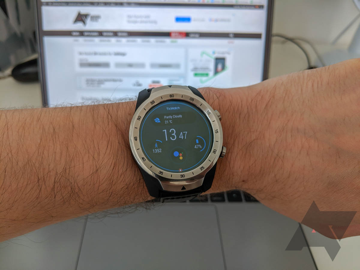 TicWatch Pro review: A good Wear watch at a bad time [Update: 28-day