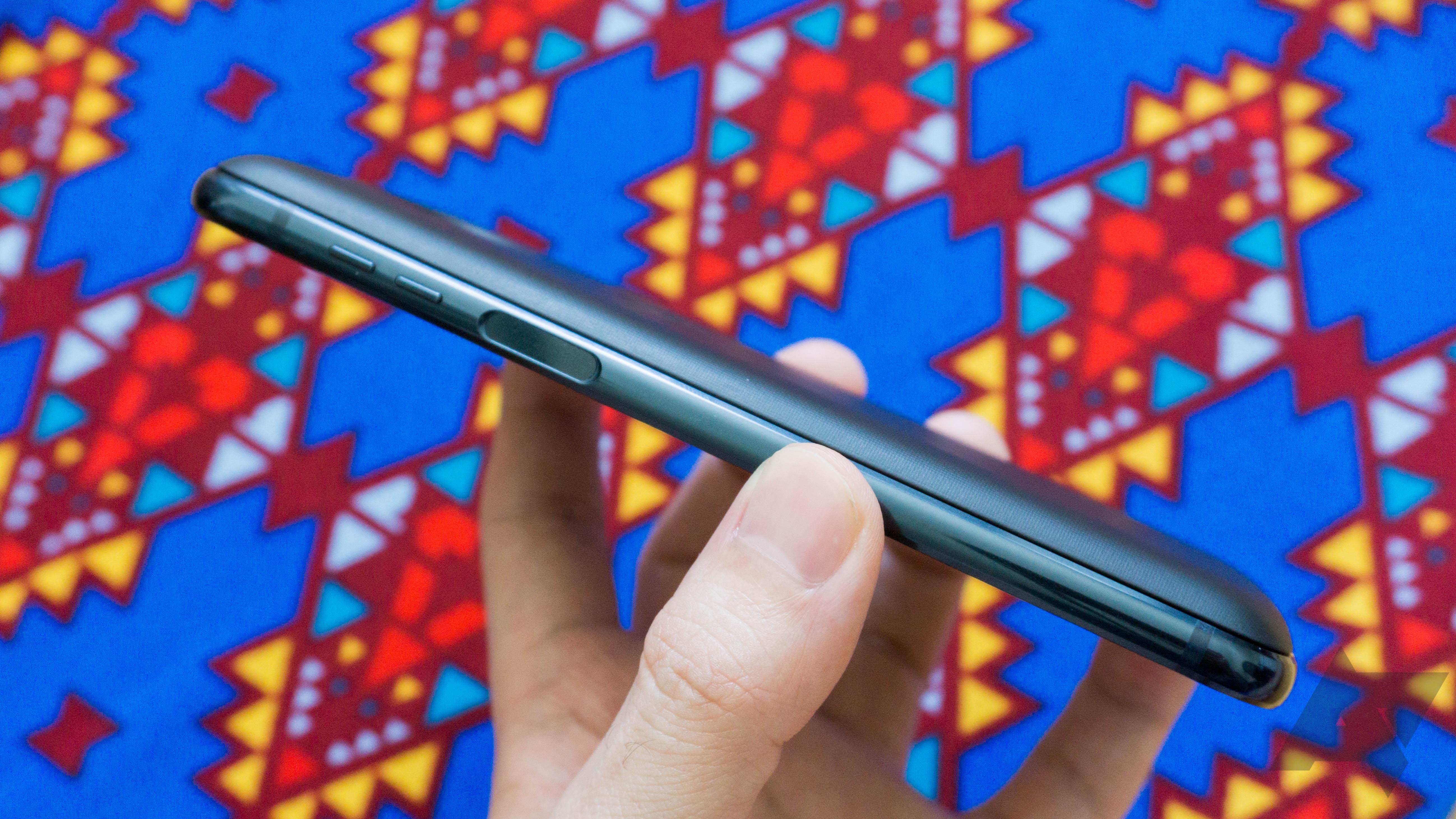 Moto Mods: How a modular hardware platform locked Motorola