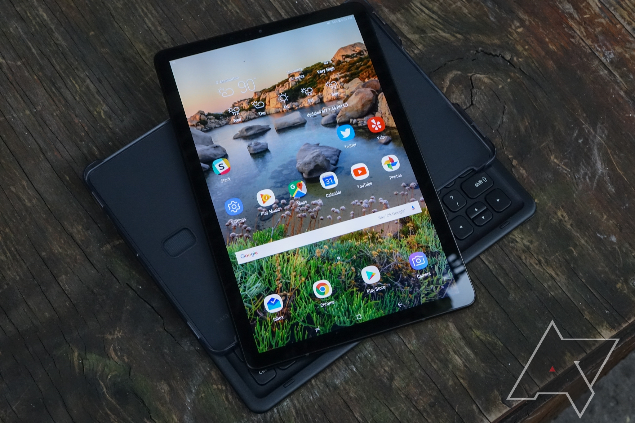 88f0bdccfda If you've searched for an Android tablet in recent years, especially one in  the premium segment, you've probably noticed that there are precious few  options ...